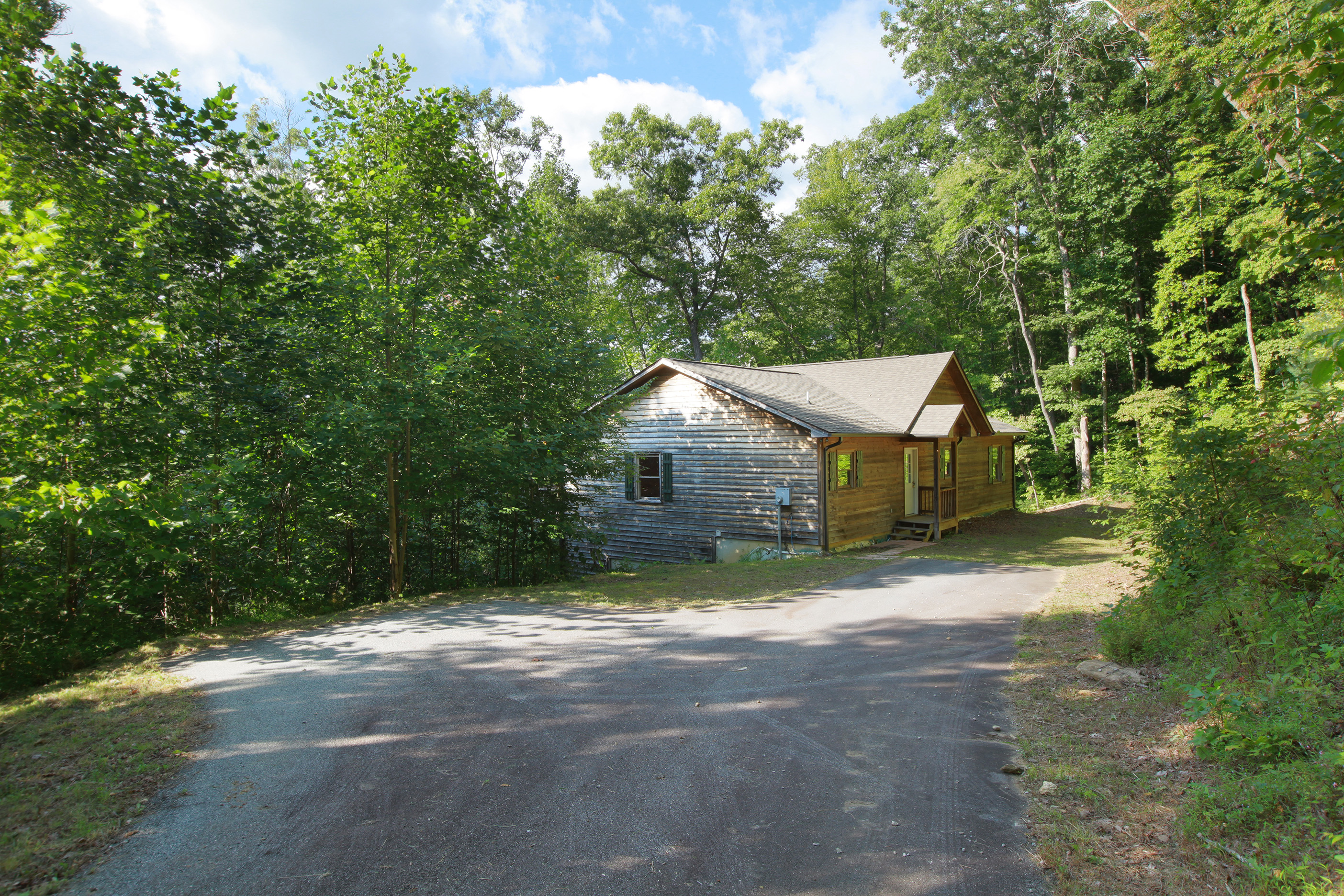 Property For Sale at Wonderful Mountain Retreat