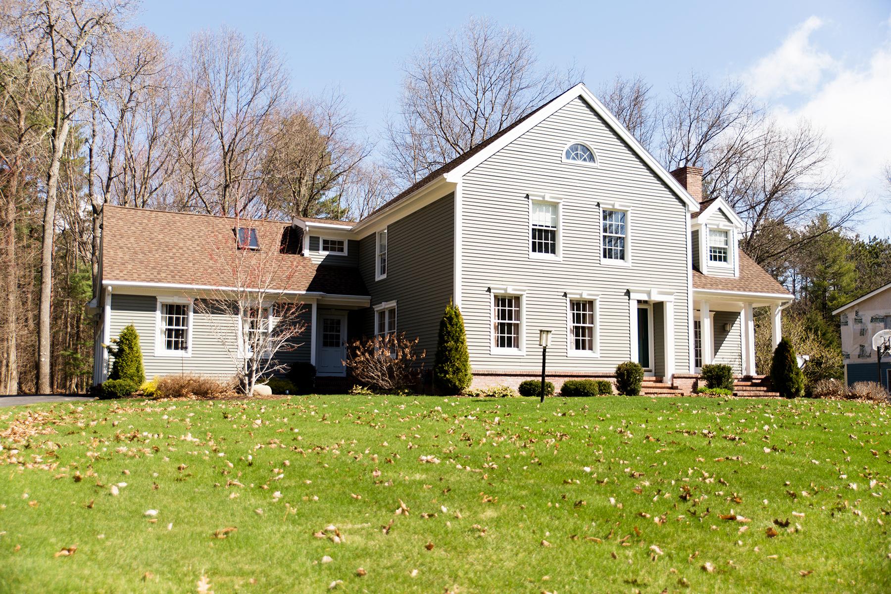 Einfamilienhaus für Verkauf beim Golf Course Frontage 18 Deer Run Wilton, New York 12831 Vereinigte Staaten