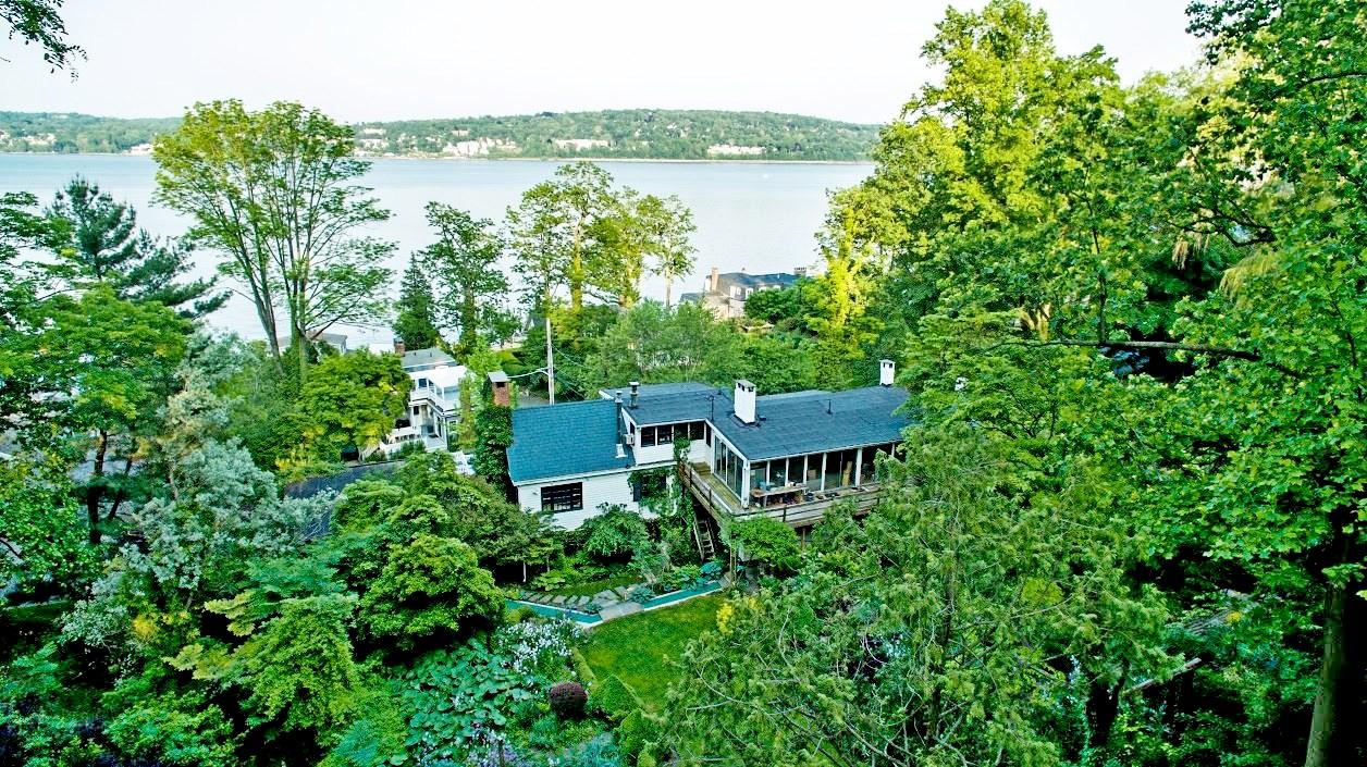 """Частный односемейный дом для того Продажа на """"Captain John House"""" 20 Washington Spring Rd Snedens Landing, Palisades, Нью-Йорк, 10964 Соединенные Штаты"""