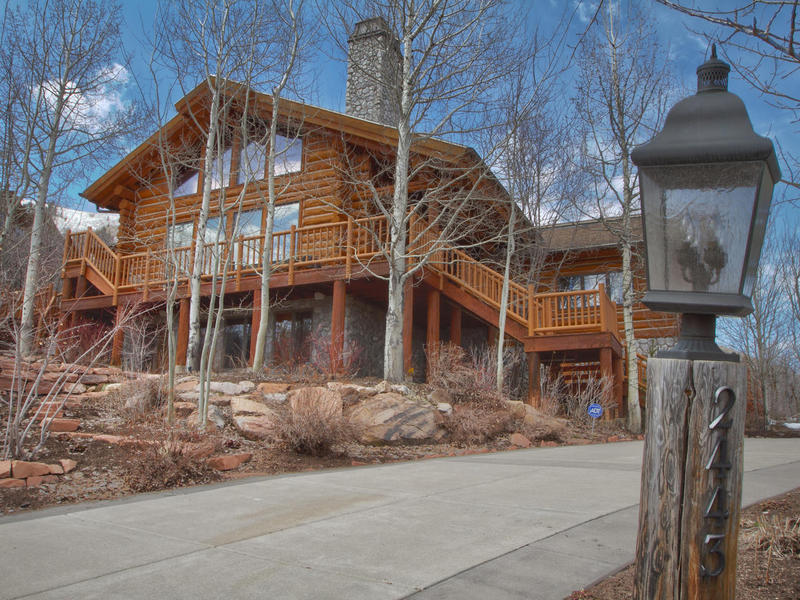 Single Family Home for Sale at Ultimate Iron Mountain Barclay Butera Log Home Retreat 2443 Iron Mountain Dr Park City, Utah 84060 United States