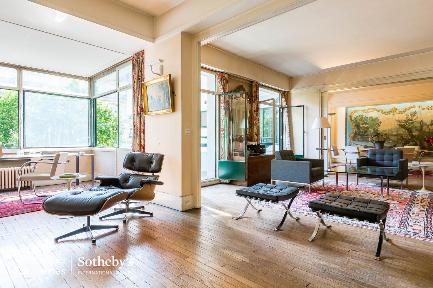 Apartamento por un Venta en Saint-Germain-des-Prés Boulevard Raspail Paris, Paris 75007 Francia