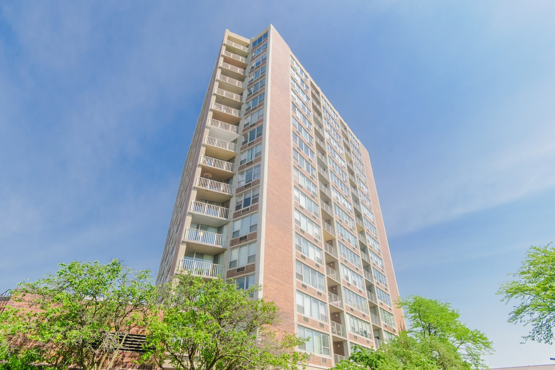 sales property at Sunlit Glenview Condo