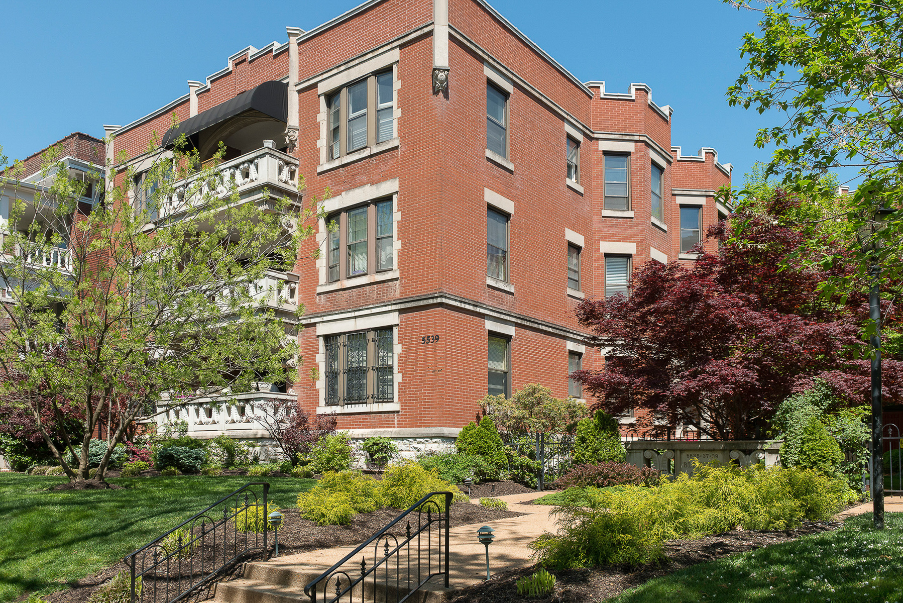 sales property at LARGE 2br CONDO -- w/HISTORIC ARCHITECTURE, UPDATED FOR TODAY