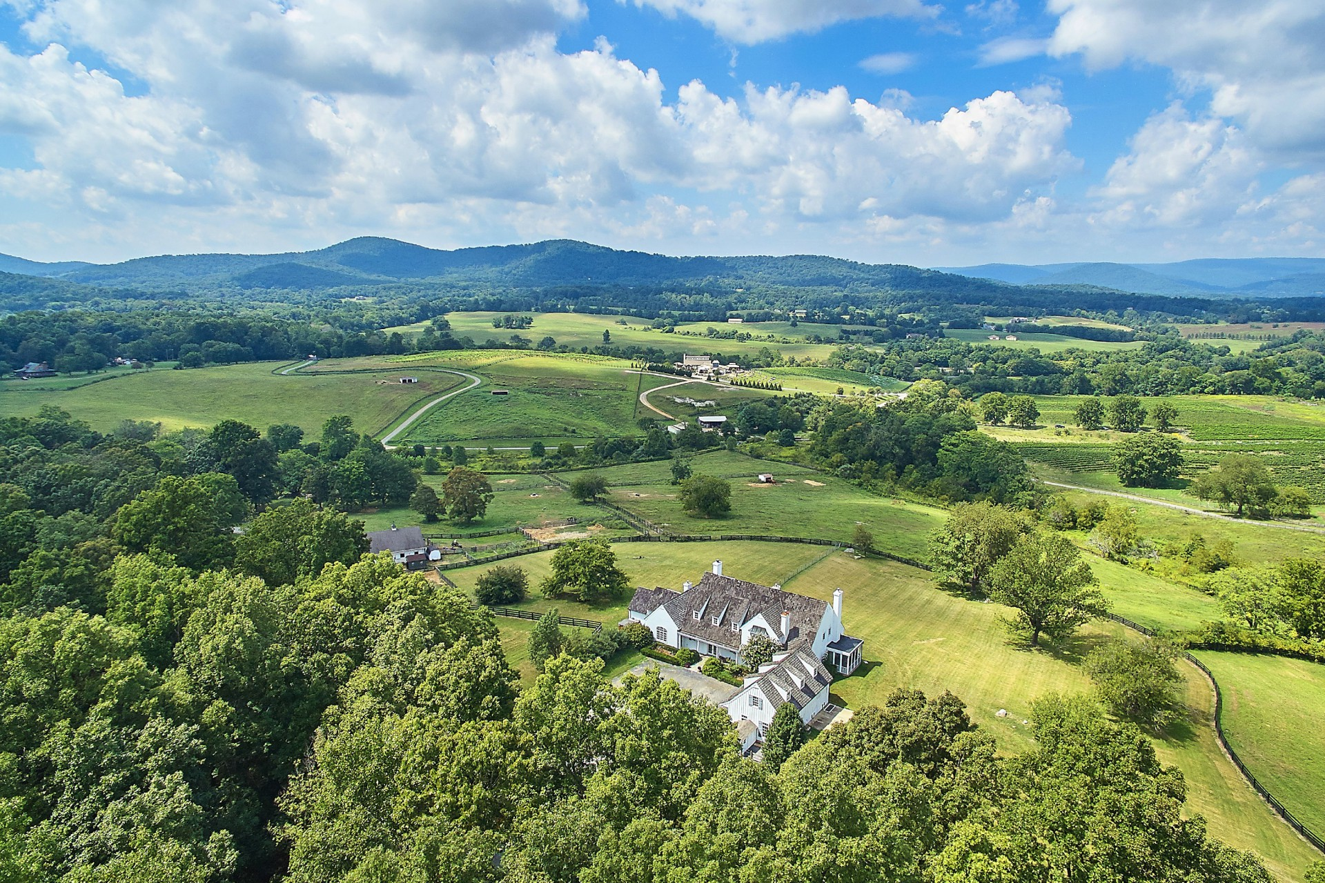 Single Family Home for Sale at Barrel Oak 3677 Grove Lane Delaplane, Virginia, 20144 United States