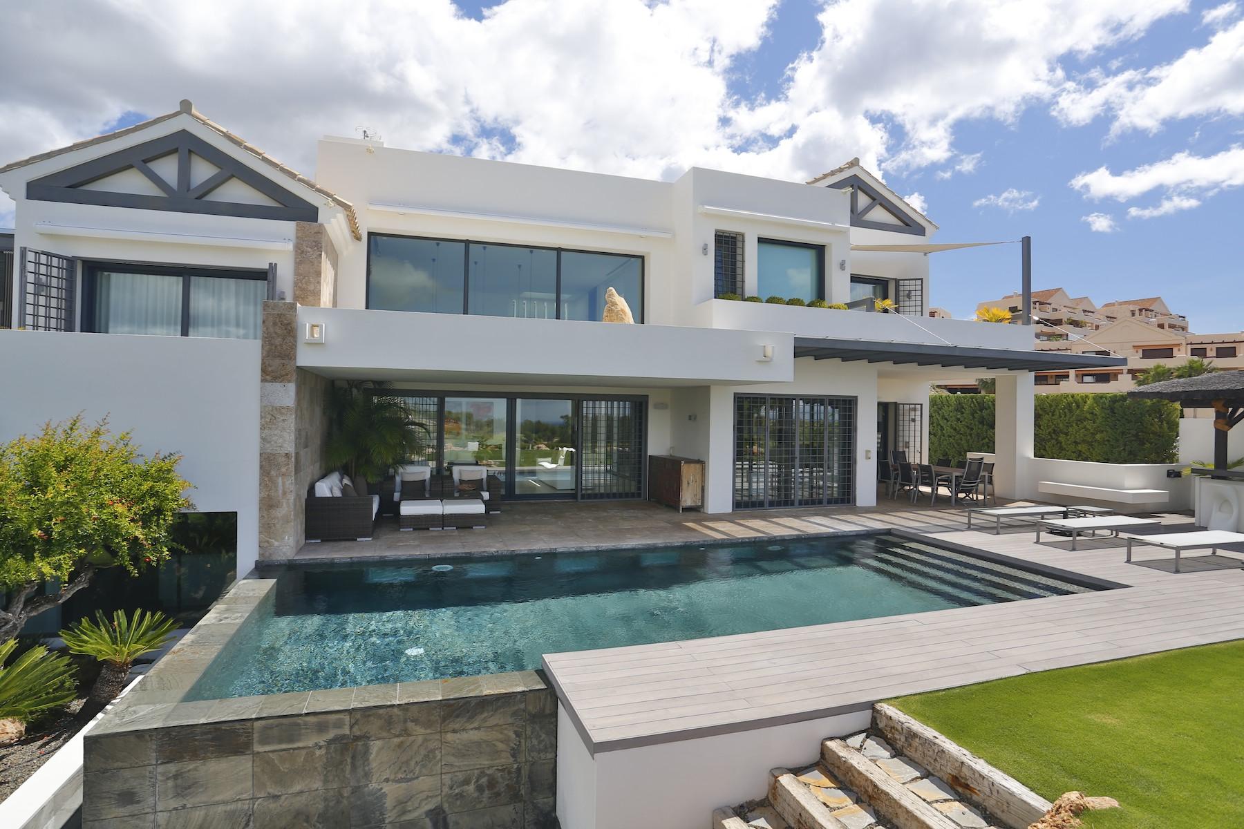 Tek Ailelik Ev için Satış at Contemporary Villa Benahavis Benahavis, Andalucia 29679 Ispanya
