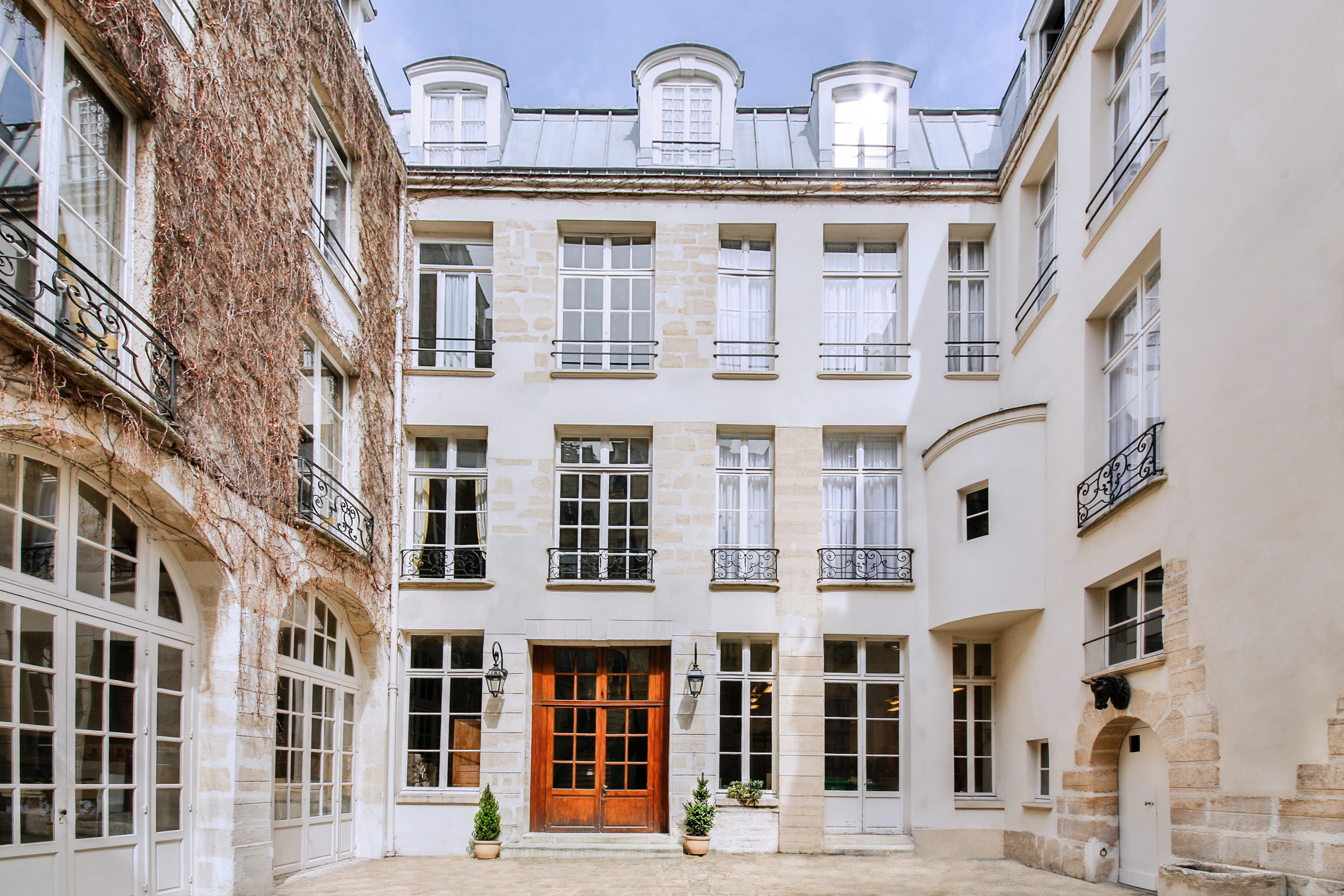 Adosado por un Venta en Private Mansion - Marais Paris, Paris 75003 Francia