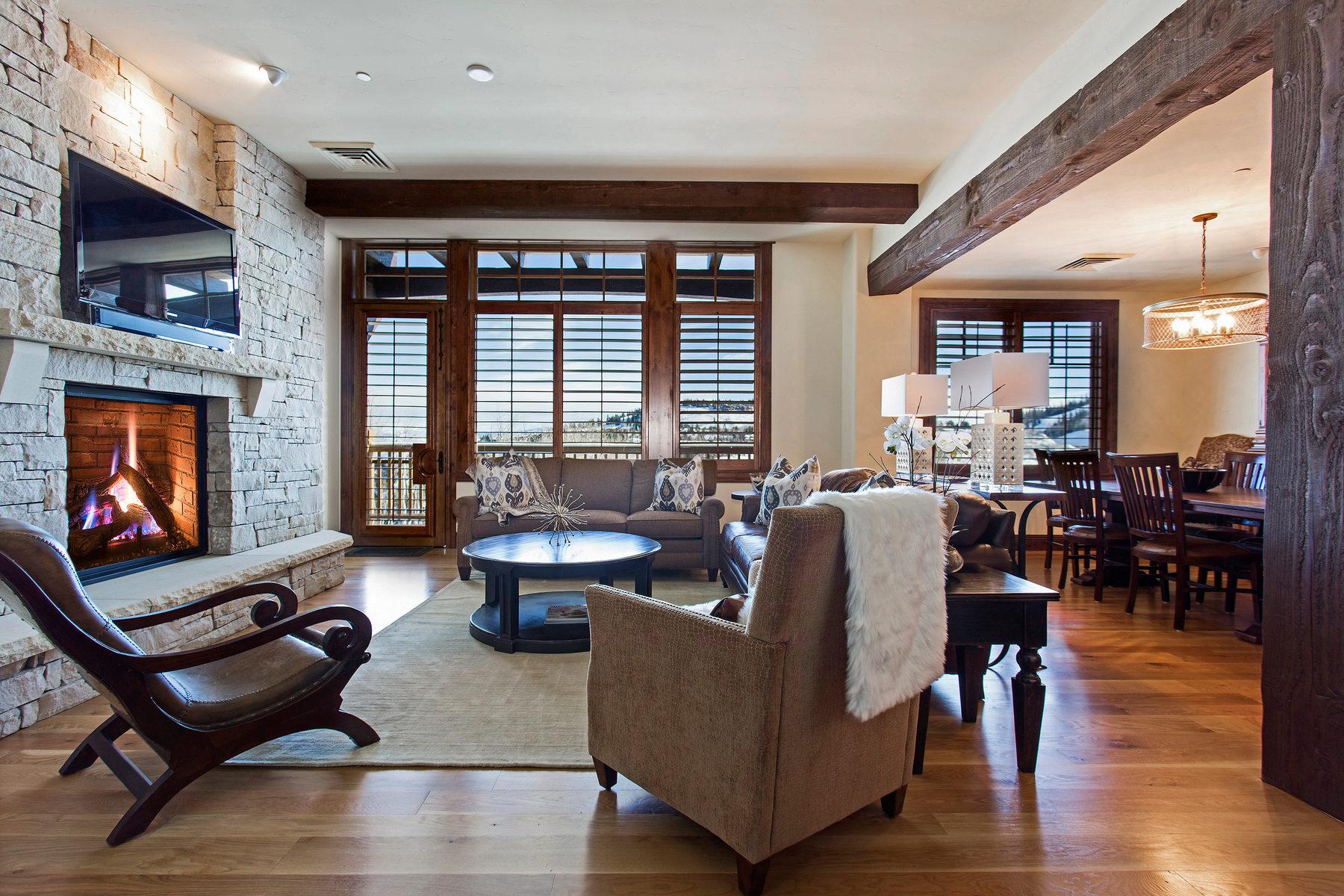 Copropriété pour l Vente à Dramatic Deer Valley Views 8902 Empire Club Dr #604 Park City, Utah, 84060 États-Unis