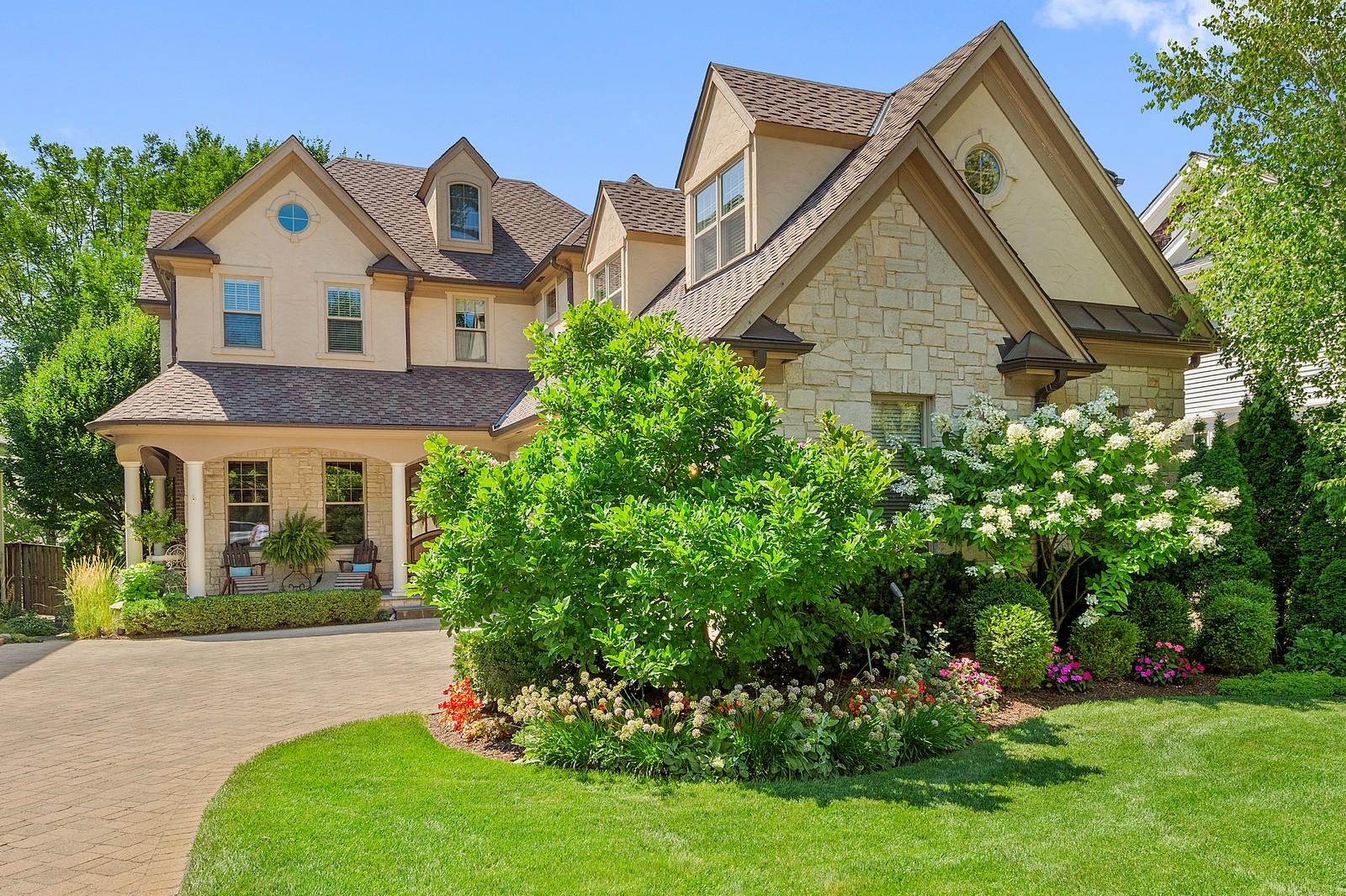단독 가정 주택 용 매매 에 316 s Grant St Hinsdale, 일리노이즈, 60521 미국
