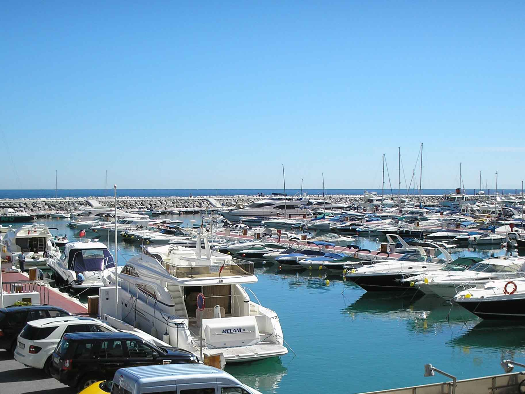 Appartement pour l Vente à Puerto Banús Marbella, Costa Del Sol, 29660 Espagne