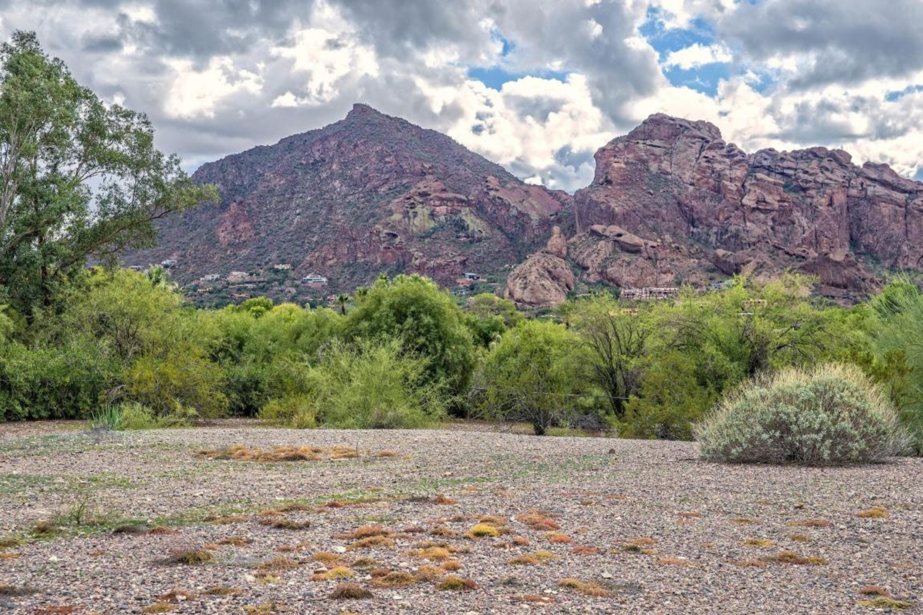 Terreno para Venda às One of the best locations in paradise valley with dramatic views 6722 N JOSHUA TREE LN 143 Paradise Valley, Arizona 85253 Estados Unidos