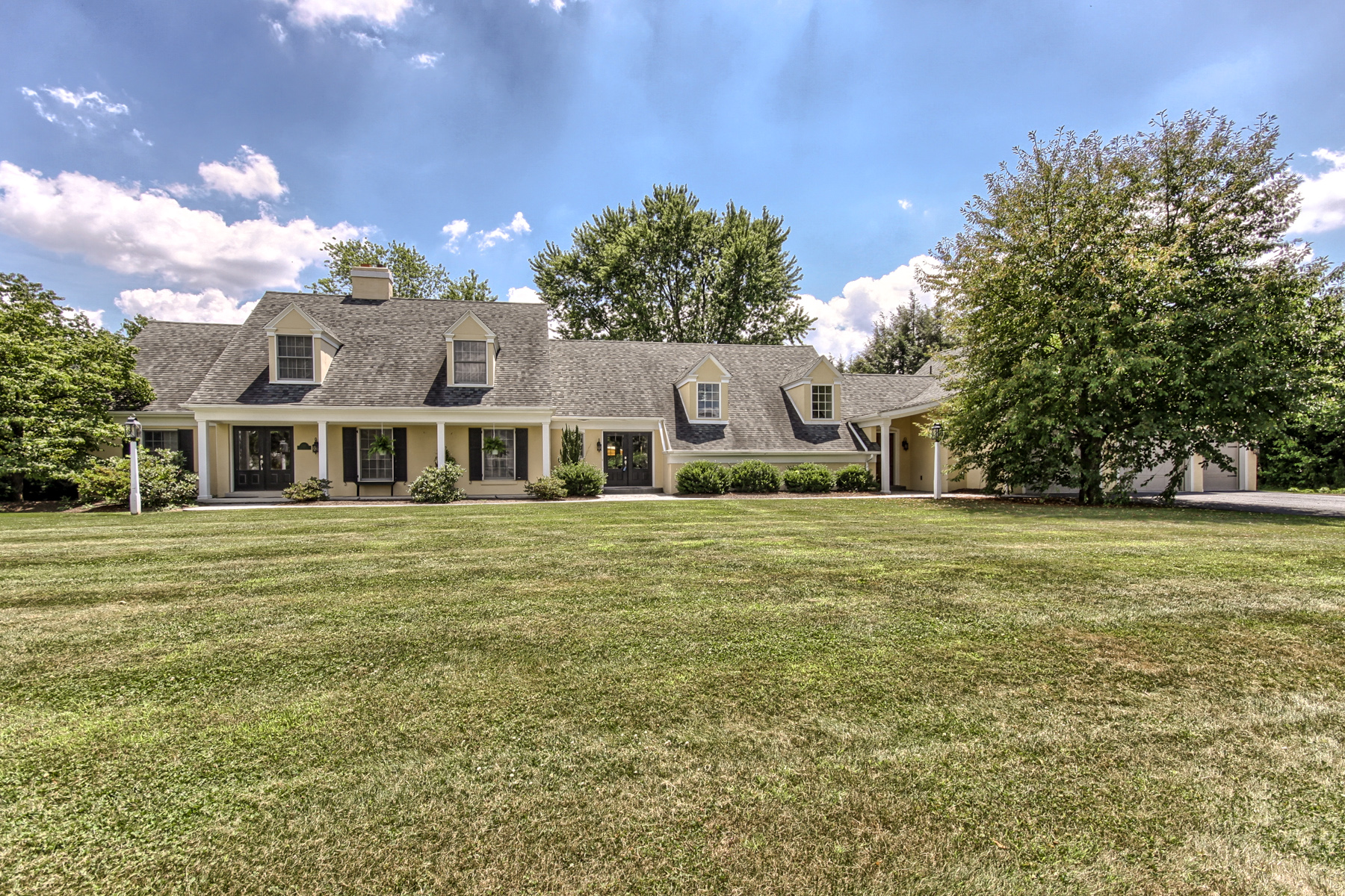 Casa Unifamiliar por un Venta en 1201 Fruitville Pike Lititz, Pennsylvania, 17543 Estados Unidos