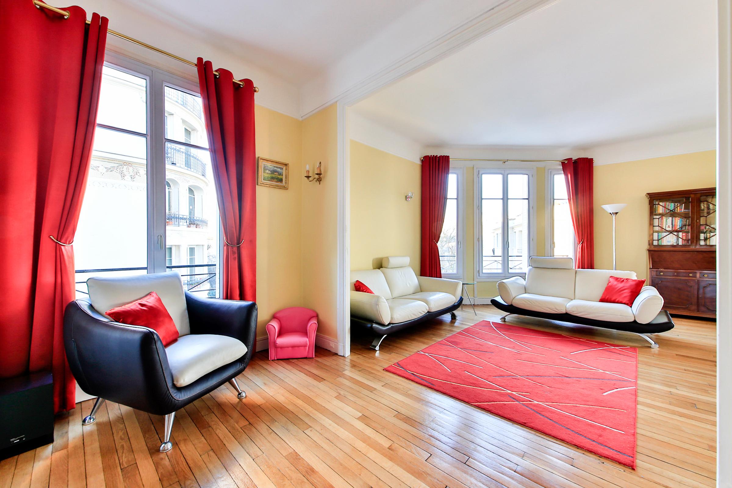 Apartment for Sale at Apartment - Saint James Neuilly, Ile-De-France 92200 France