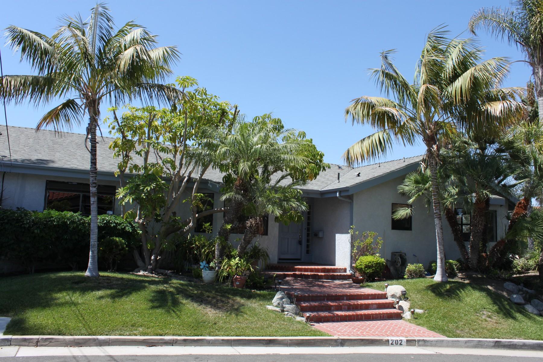 Casa Unifamiliar por un Venta en 202 W. Avenida San Antonio San Clemente, California 92672 Estados Unidos