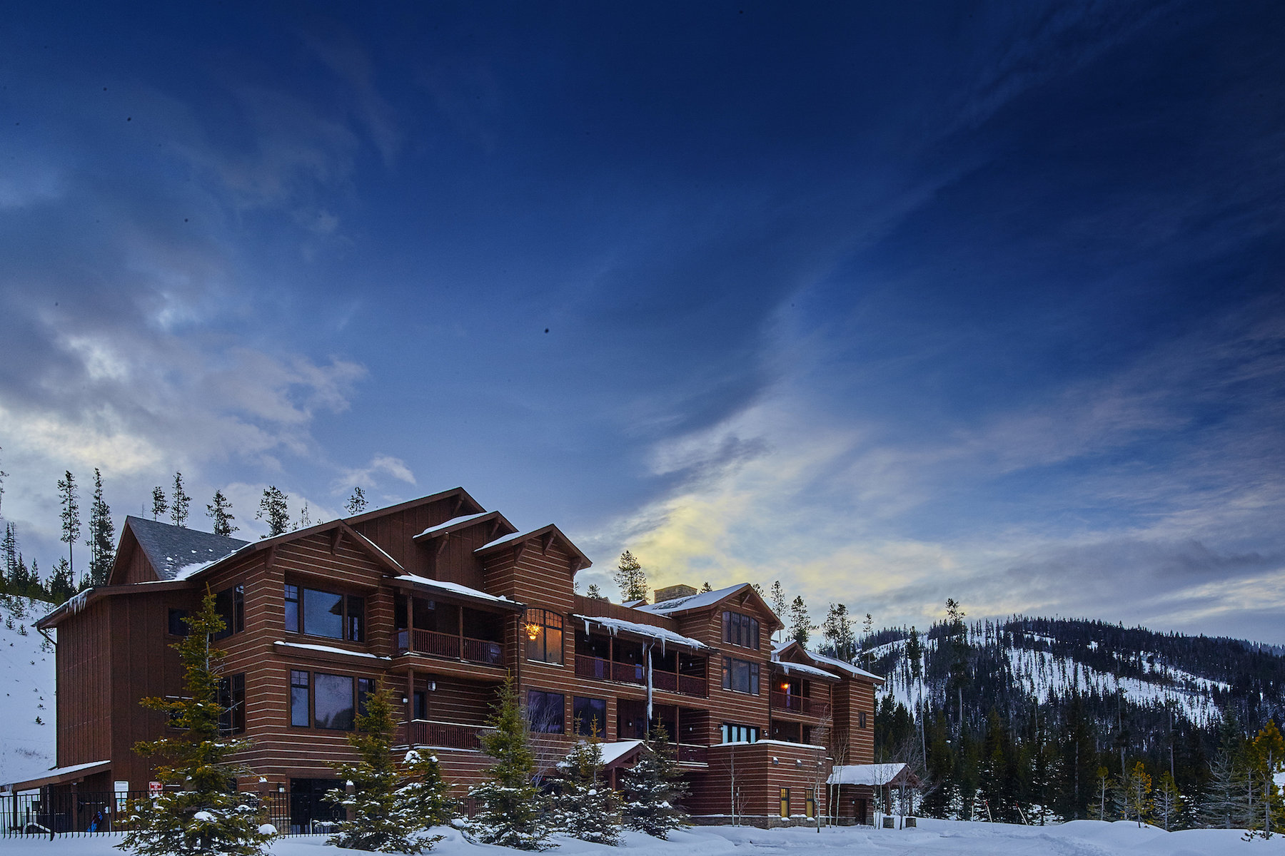 Кооперативная квартира для того Продажа на Mountain Lake Ski Condo 2 Summit View Drive Unit 303 PH1 Big Sky, Монтана 59716 Соединенные Штаты