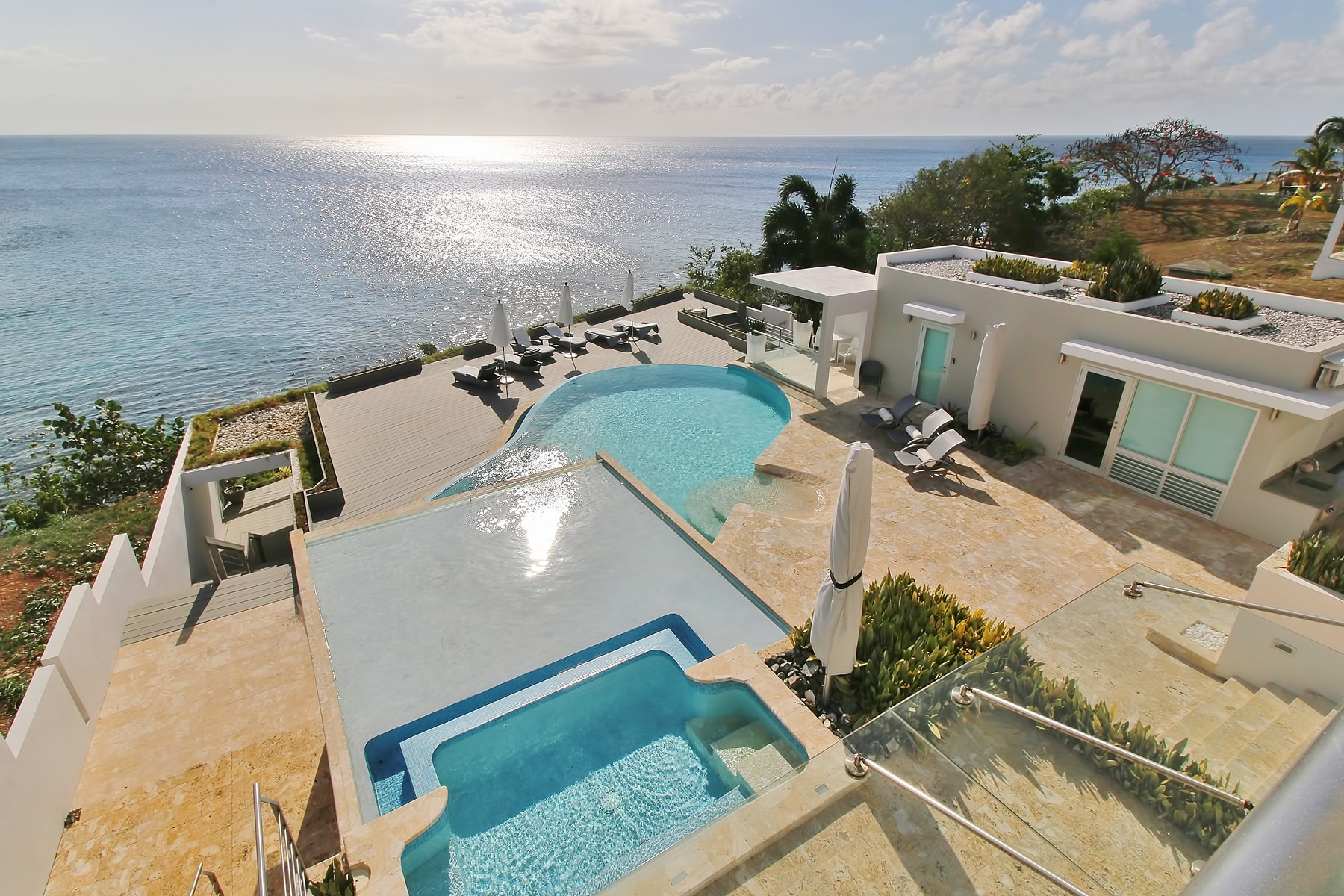 Property For Sale at Impressive Oceanfront Estate