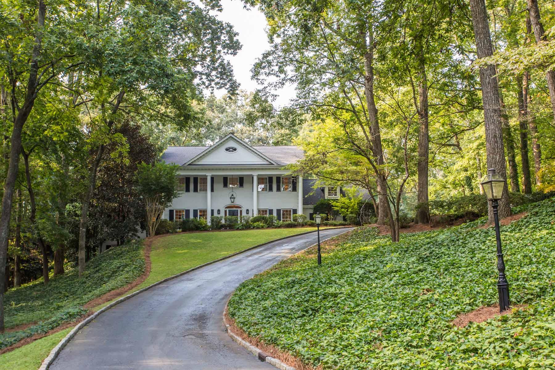 独户住宅 为 销售 在 Modern Elegance in the Heart of Chastain Park 4660 Paran Valley NW Chastain Park, 亚特兰大, 乔治亚州, 30327 美国