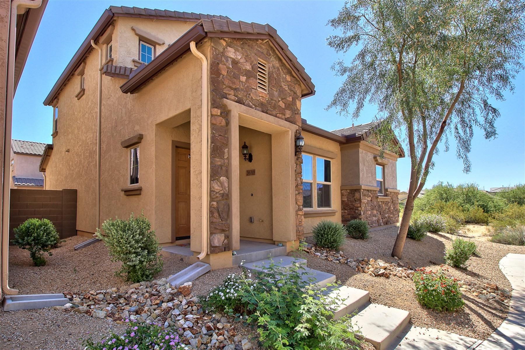 Maison unifamiliale pour l Vente à Fireside Gated Community In Desert Ridge 3689 N Zachary DR Phoenix, Arizona 85050 États-Unis