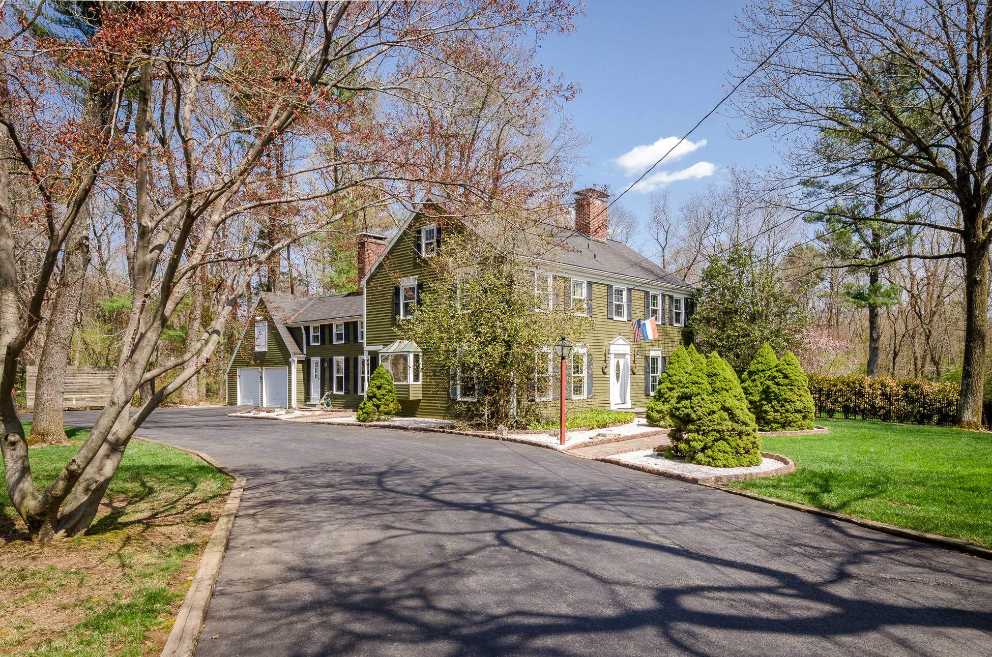 Casa Unifamiliar por un Venta en The Epitome of Welcoming Elegance in Princeton 4371 Province Line Road Princeton, Nueva Jersey 08540 Estados Unidos