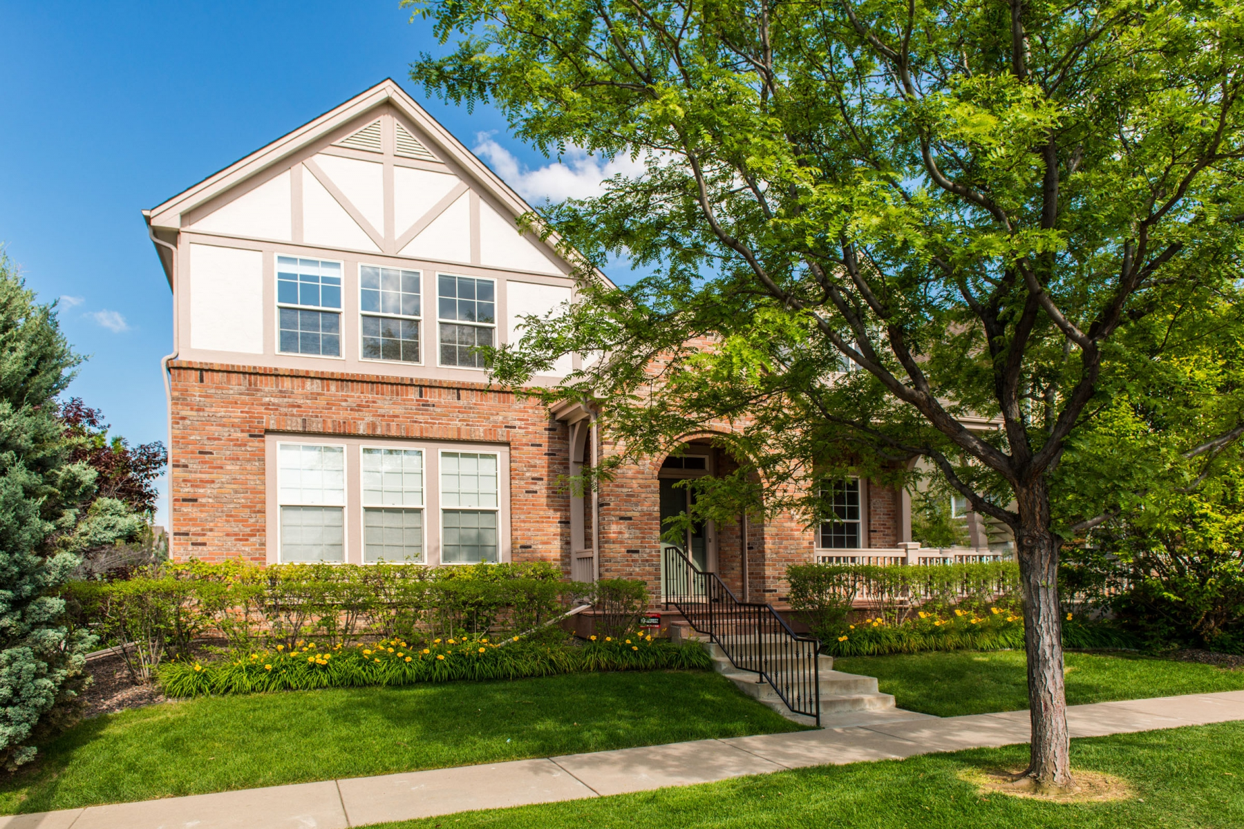 Single Family Home for Sale at 52 South Roslyn Street Denver, Colorado 80230 United States