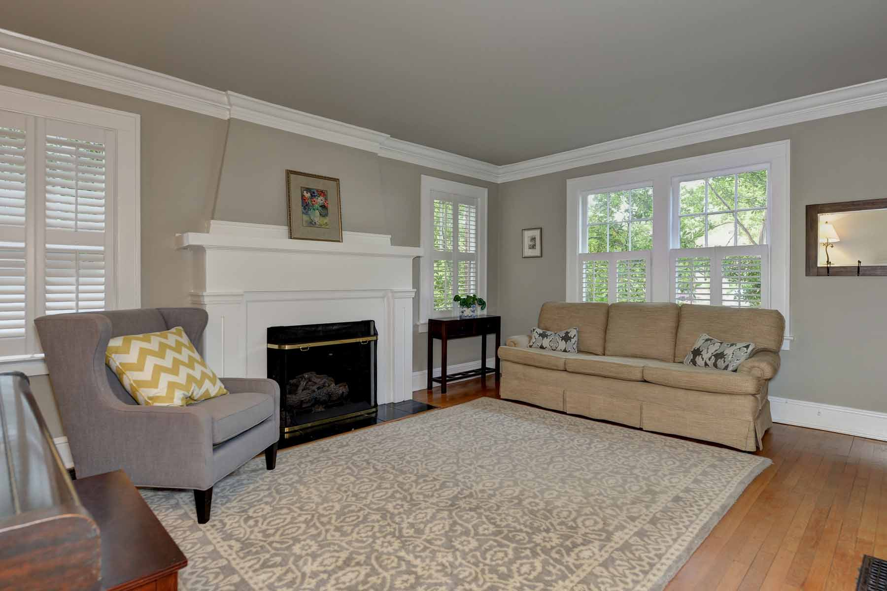 Additional photo for property listing at Charming Morningside Bungalow on Large Private Lot 1106 Amsterdam Avenue NE Atlanta, Georgië 30306 Verenigde Staten