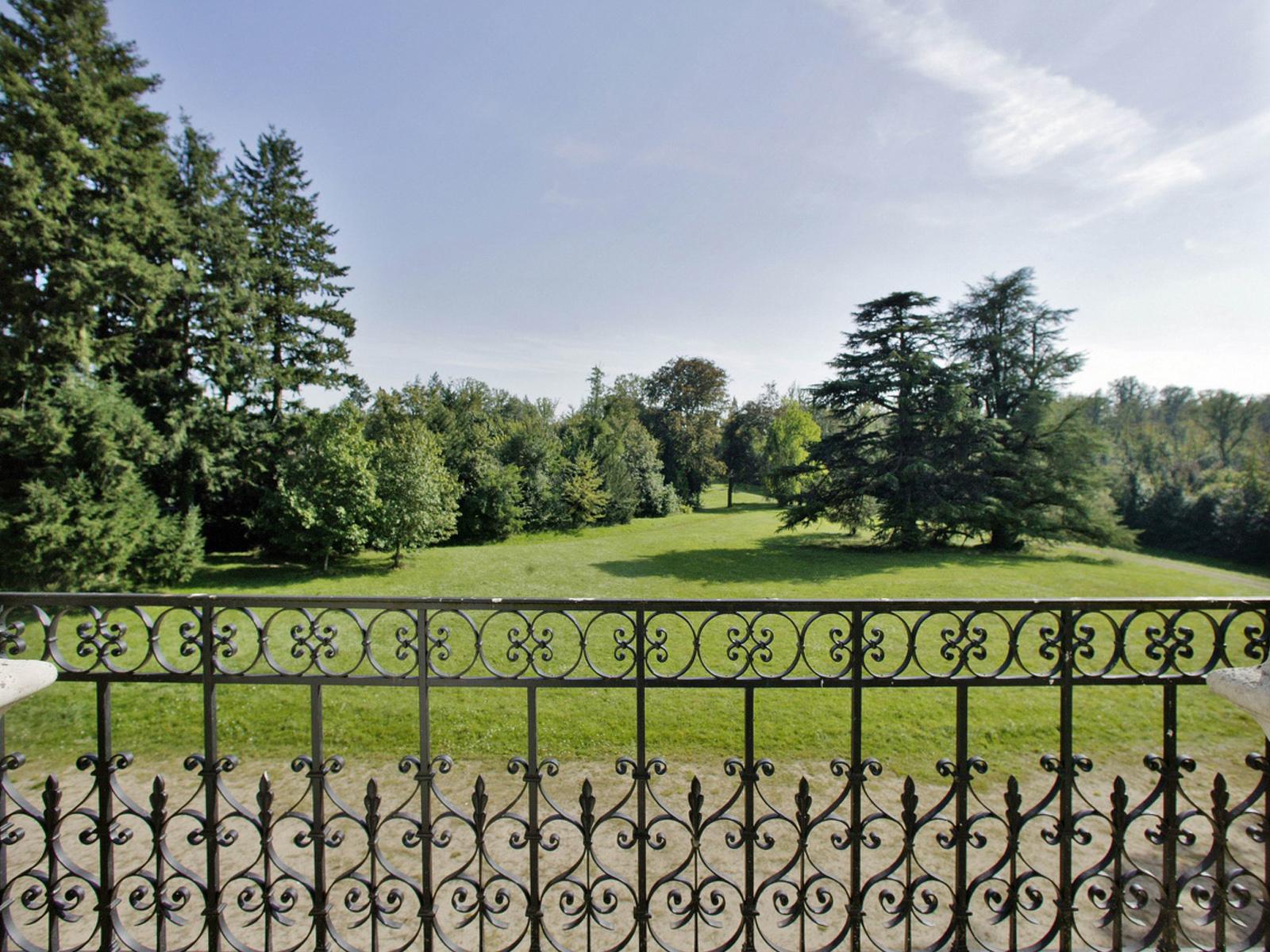 Additional photo for property listing at CHÂTEAU A RESTAURER ET DOMAINE 40 Ha  Nontron, Dordogne 24300 France