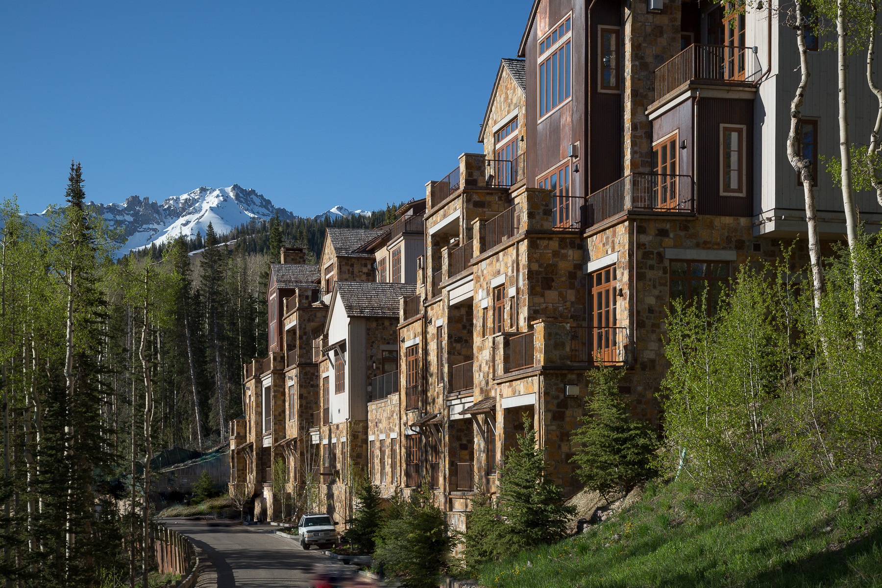 Moradia para Venda às Villas At Cortina 125 Cortina Drive Unit 4 Telluride, Colorado, 81435 Estados Unidos