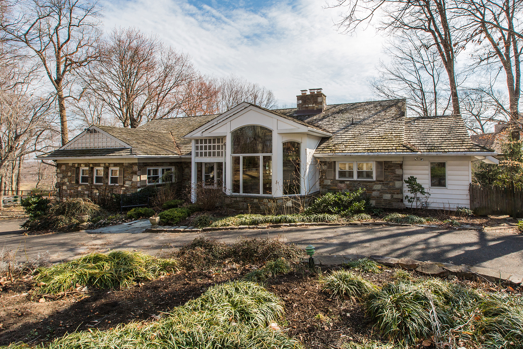 Single Family Home for Sale at Huntingdon Valley, PA 2245 Country Club Dr Huntingdon Valley, Pennsylvania, 19006 United States