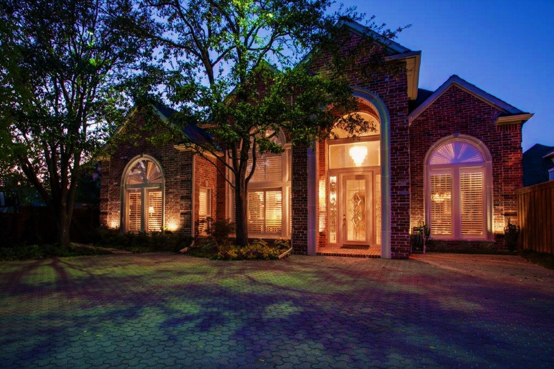 獨棟家庭住宅 為 出售 在 Fabulous One-Story North Dallas Zero Lot 5535 Preston Fairways Drive Dallas, 德克薩斯州, 75252 美國