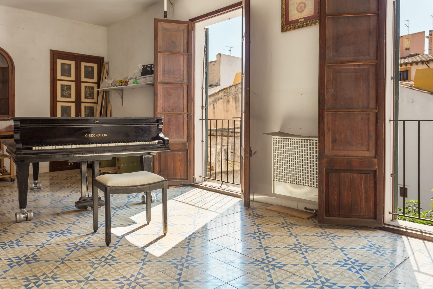 Apartment for Sale at Apartment with terrace in Palma's Centre Palma Center, Mallorca, 07001 Spain
