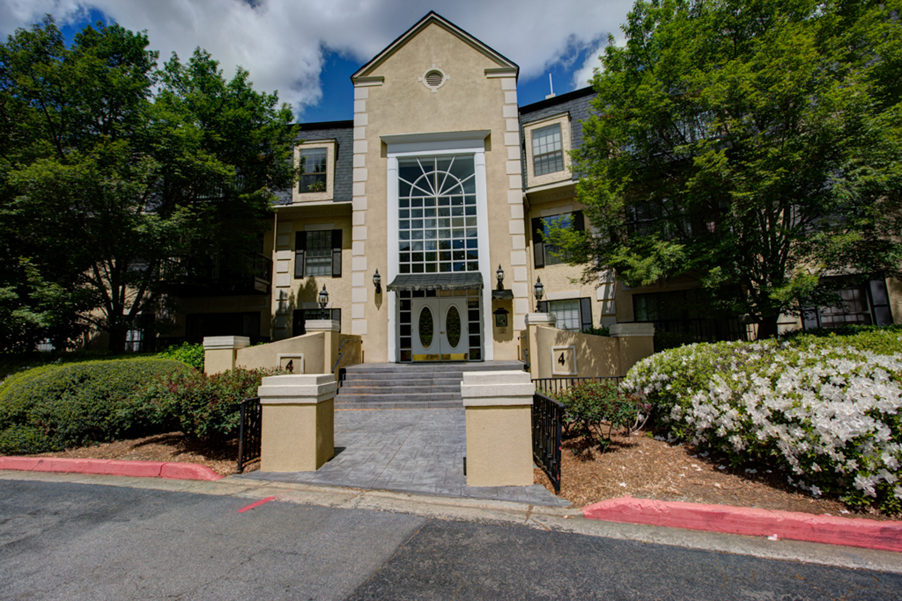 Condominium for Sale at Renovated Two Bedroom, Two Bathroom Condo 4214 Pine Heights Drive NE #214 Atlanta, Georgia, 30324 United States