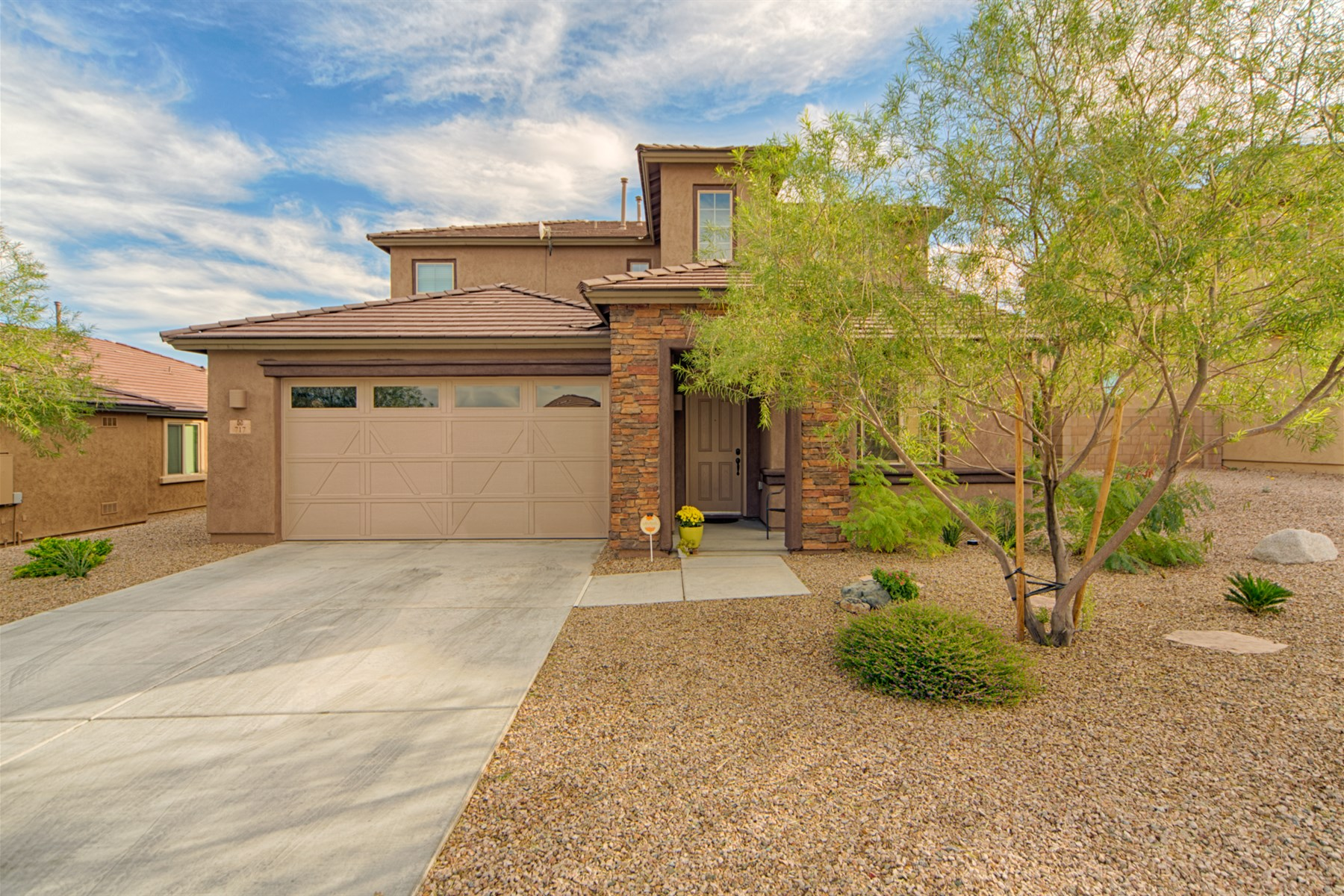 Single Family Home for Sale at Beautiful and freshly painted home in Vail 717 S Desert Haven Road Vail, Arizona, 85641 United States