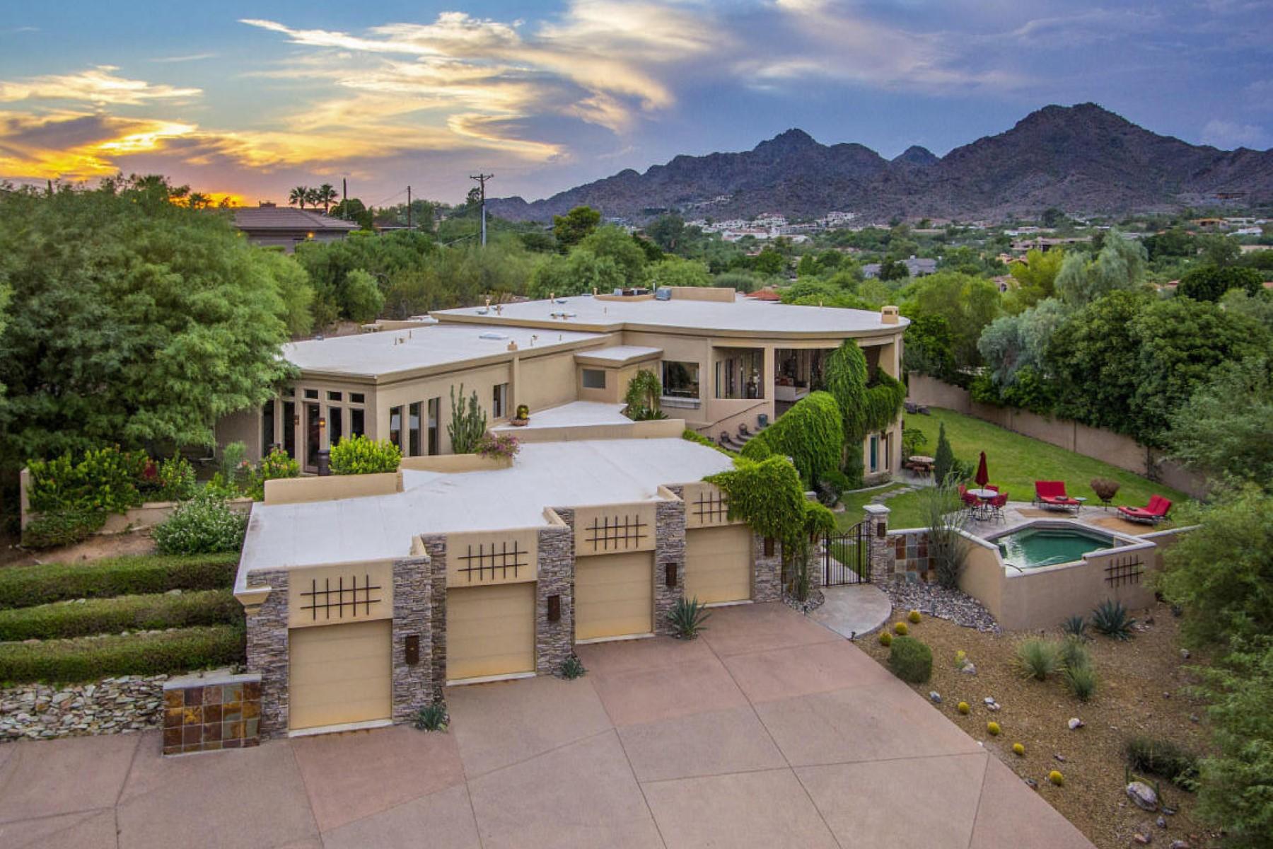 Частный односемейный дом для того Продажа на Breathtaking Camelback Mountain views from this architecturally designed home 6134 N 44th St Paradise Valley, Аризона, 85253 Соединенные Штаты