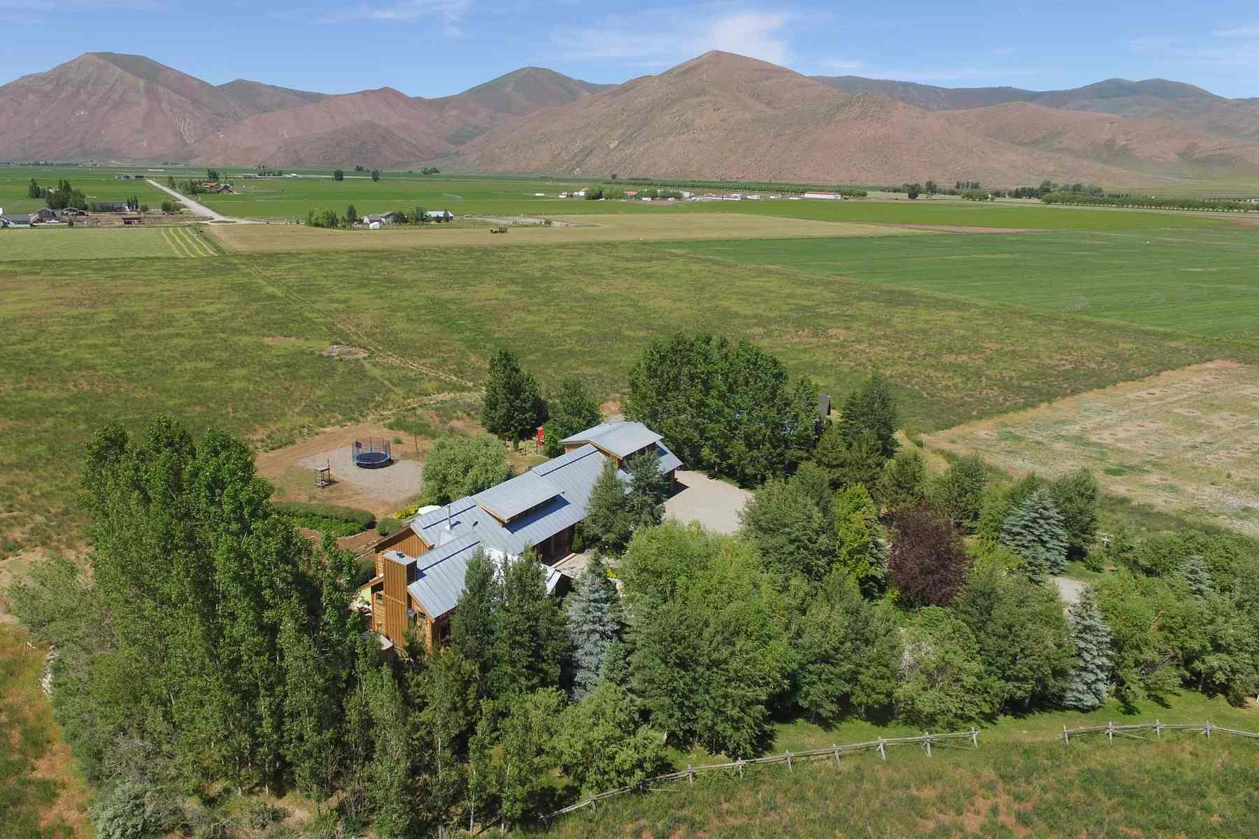 Additional photo for property listing at The Perfect Log Home 85 Browning Lane Bellevue, Idaho 83313 Estados Unidos