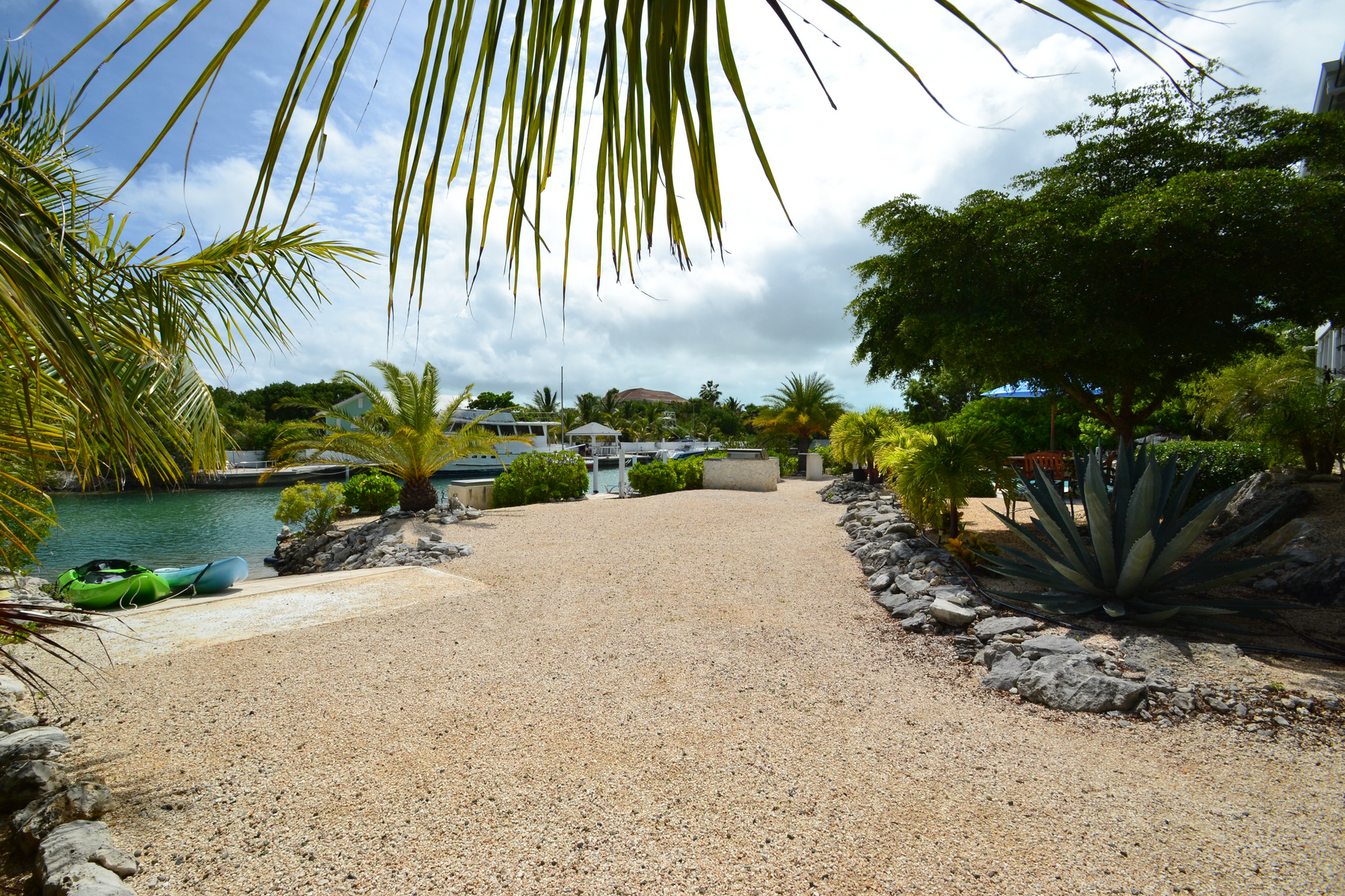 Additional photo for property listing at Discovery Bay Canalfront  Discovery Bay, Providenciales TC Îles Turques Et Caïques