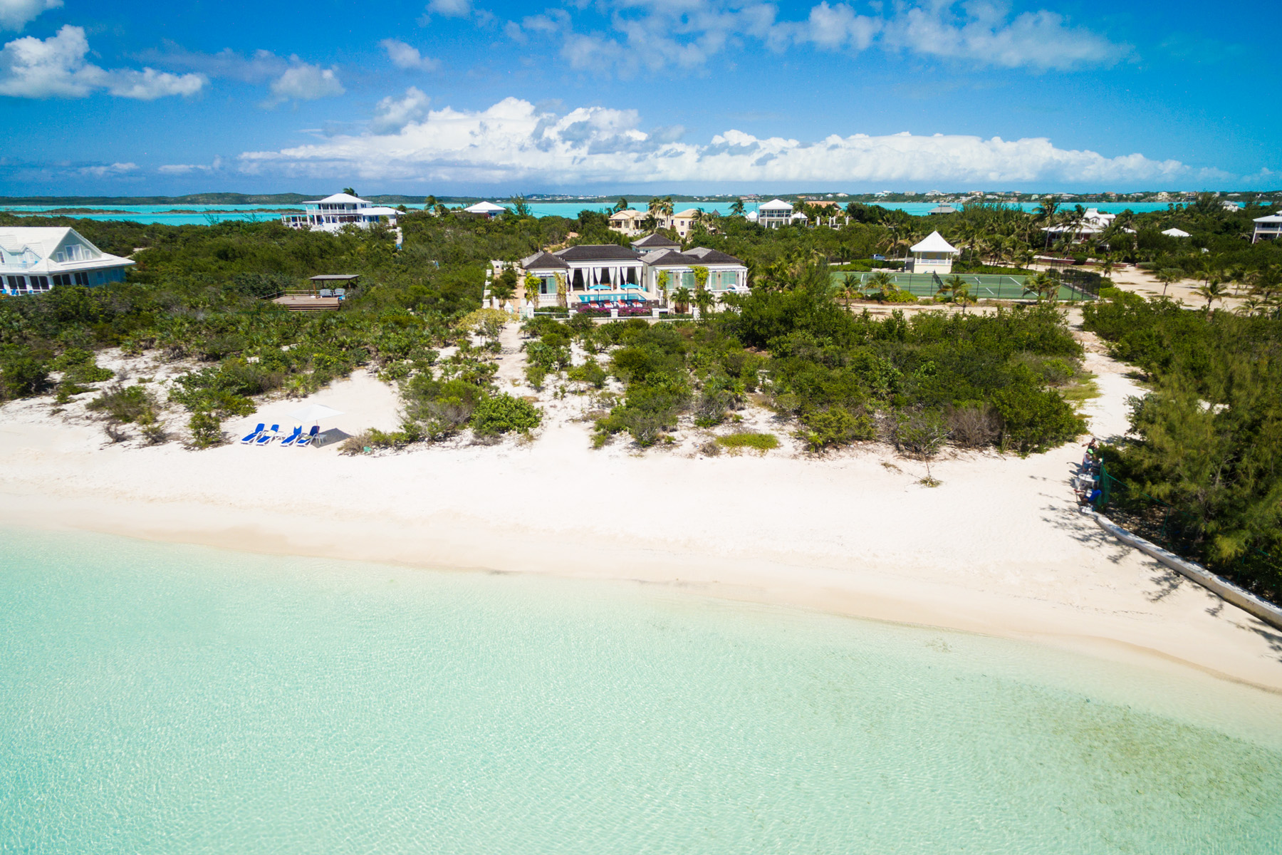 Tek Ailelik Ev için Satış at The Beach House Beachfront Taylor Bay, Providenciales, TCI Turks Ve Caicos Adalari