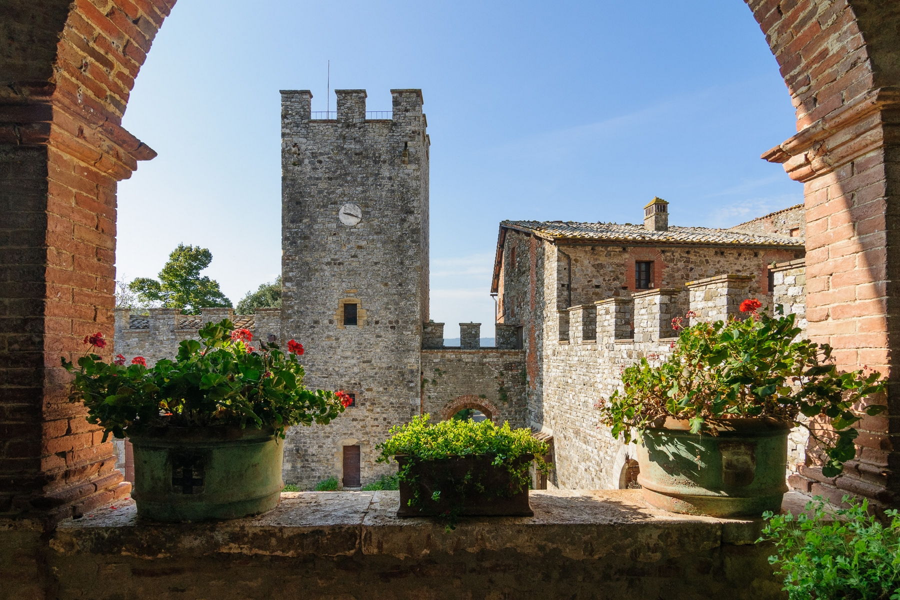 Additional photo for property listing at Glamorous Medieval Castle near Siena  Siena, Siena 53011 Italien