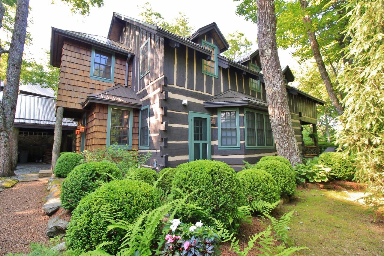 Moradia para Venda às 100 The Hemlocks Highlands, Carolina Do Norte, 28741 Estados Unidos