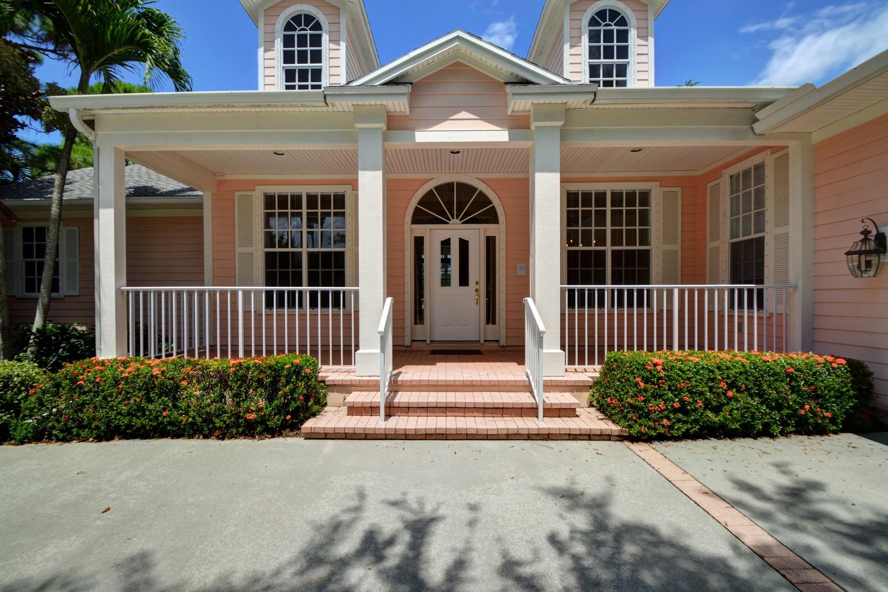 独户住宅 为 销售 在 Spectacular home on golf course with lake views 960 Wood Haven Lane SW Vero Beach, 佛罗里达州 32962 美国