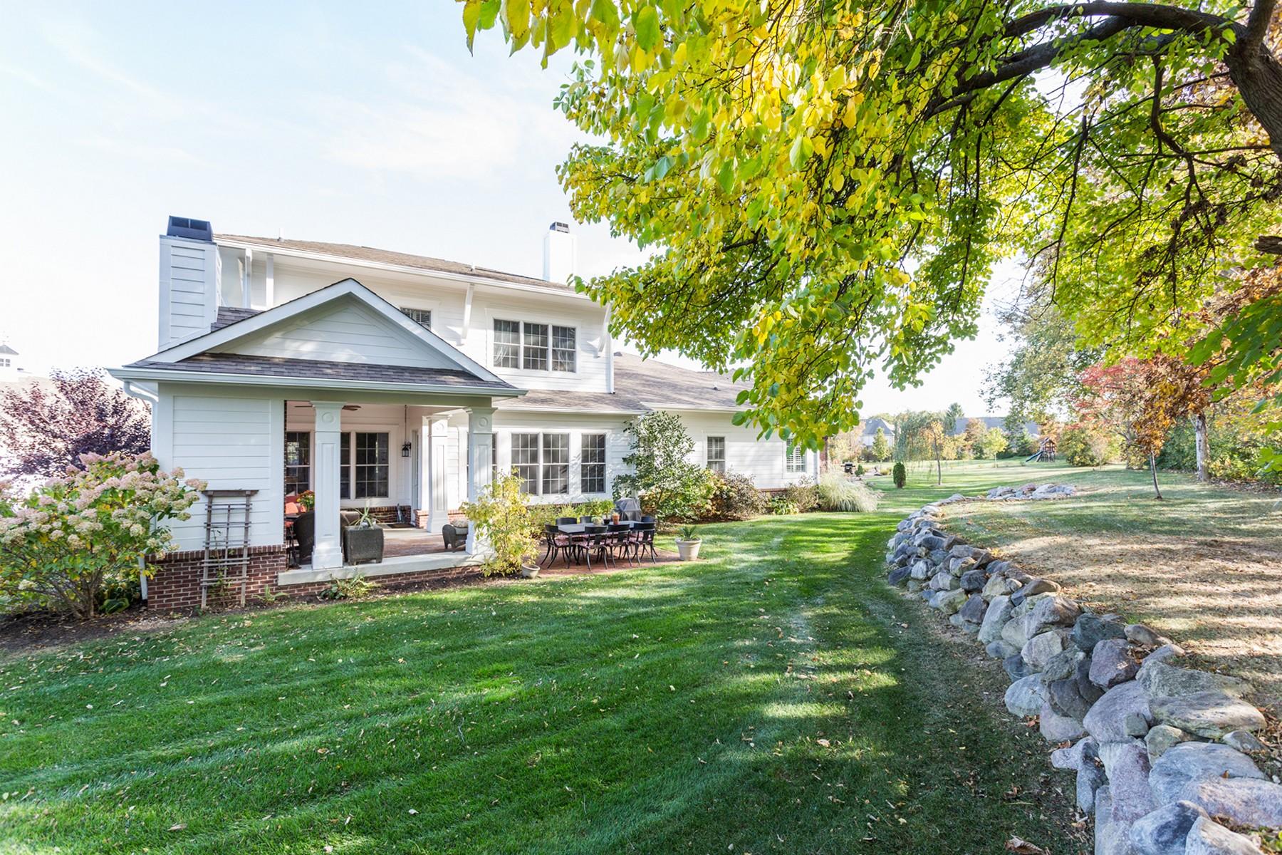 独户住宅 为 销售 在 Fine Architectural Details 5307 Randolph Crescent 卡梅尔, 印第安纳州, 46033 美国