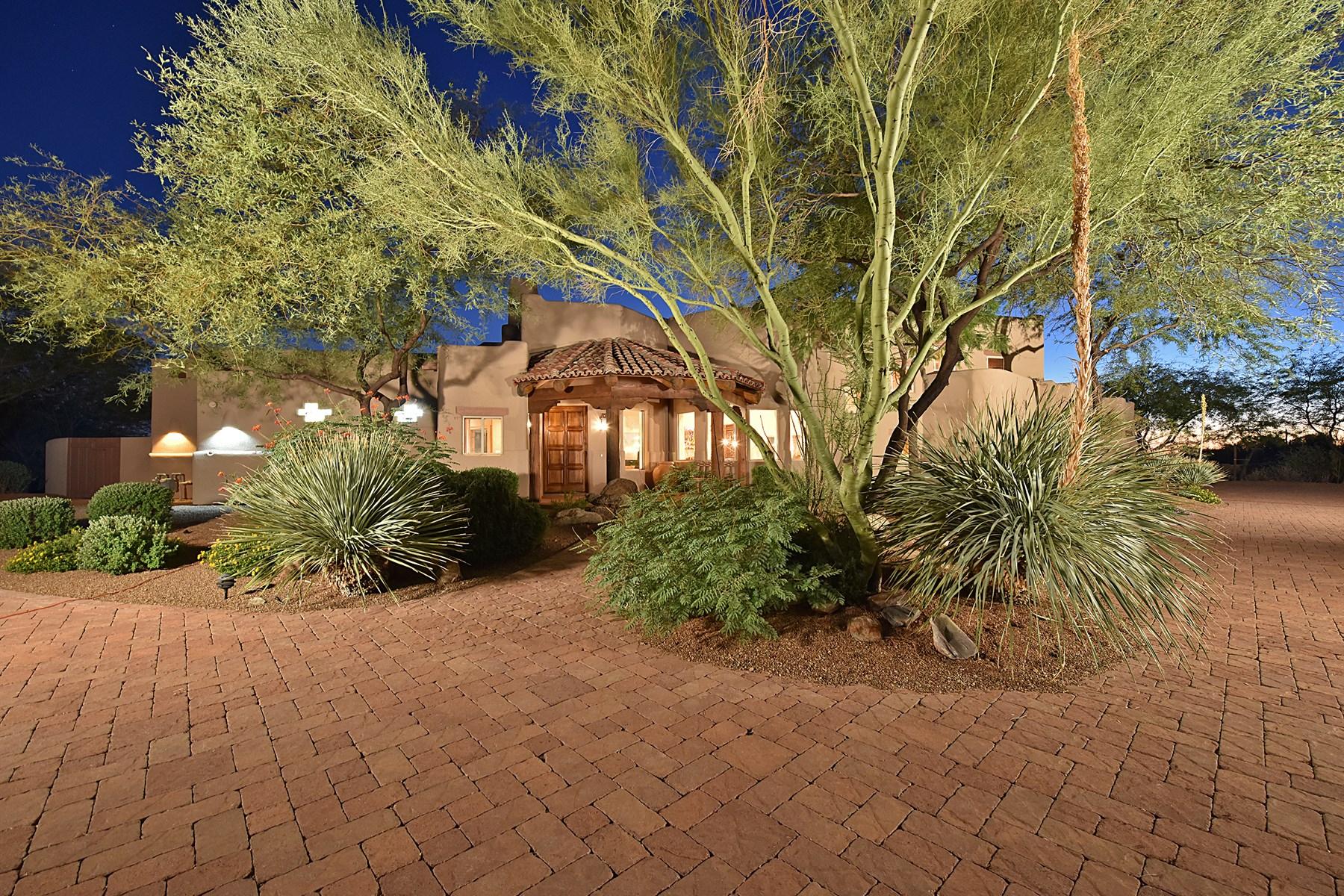 단독 가정 주택 용 매매 에 Warm and inviting Southwest custom home in guard gated Glenn Moor 10801 E Happy Valley Rd #105 Scottsdale, 아리조나, 85255 미국