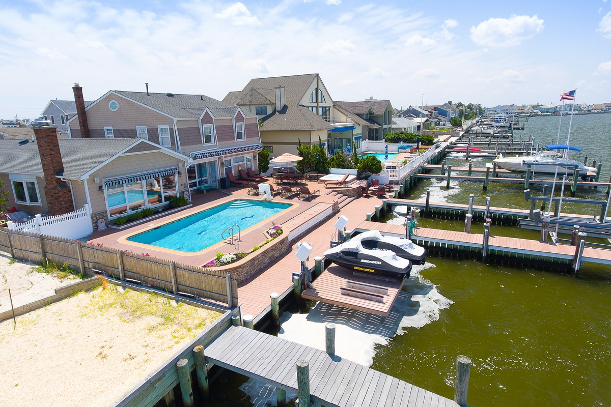 Single Family Home for Sale at Bayfront Beauty! 209 Curtis Point Brick, New Jersey 08738 United States