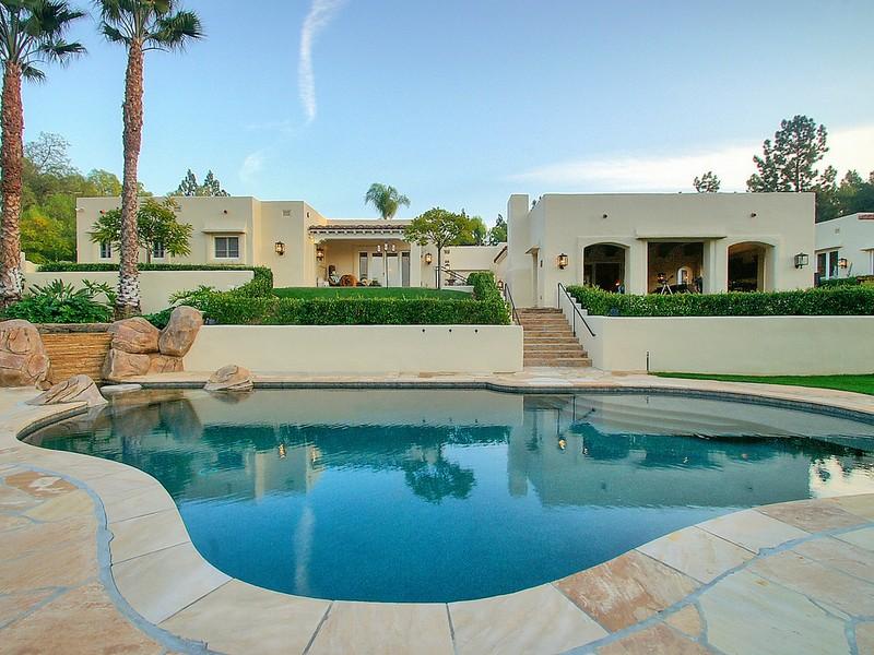 Single Family Home for Sale at 7042 El Vuelo Del Este Rancho Santa Fe, California 92067 United States