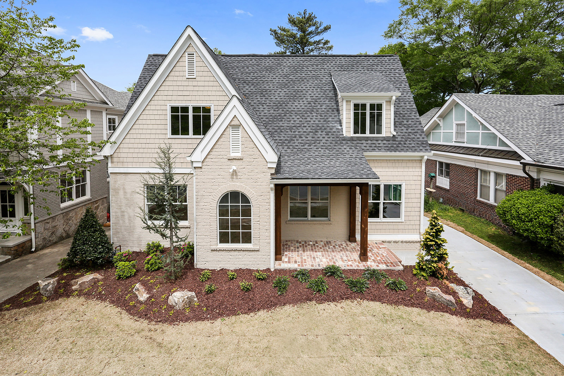 단독 가정 주택 용 매매 에 New Cottage Style Home On One Of Best Streets In Springlake 2108 Mckinley Road Springlake, Atlanta, 조지아, 30318 미국