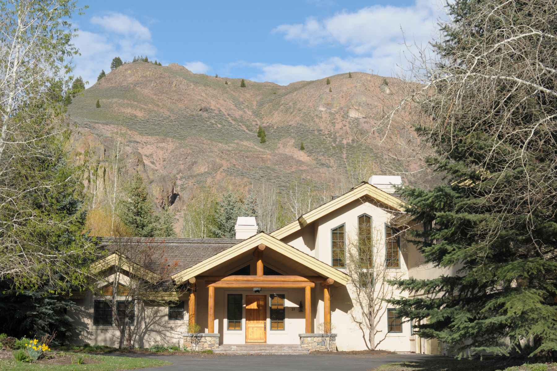 Single Family Home for Sale at Fabulous Lane Ranch Home 21 West Lane Ranch Rd Sun Valley, Idaho, 83353 United States