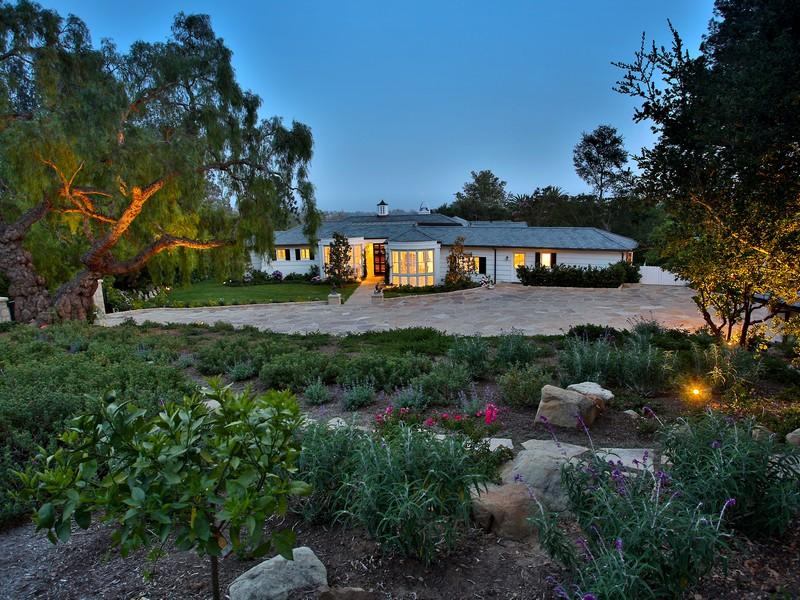 단독 가정 주택 용 매매 에 1620 E Mountain Dr Montecito, 캘리포니아 93108 미국