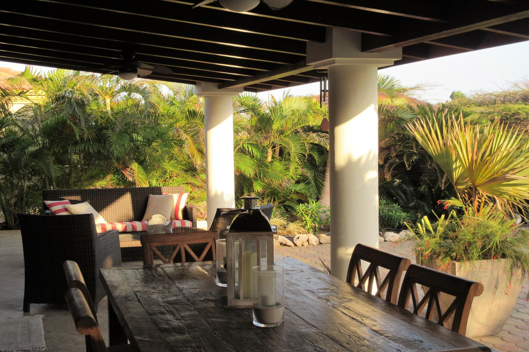Additional photo for property listing at Spectacular Casita Villa Caya di Campeonnan 19 Las Campeonas Malmok, Aruba 00000 Aruba