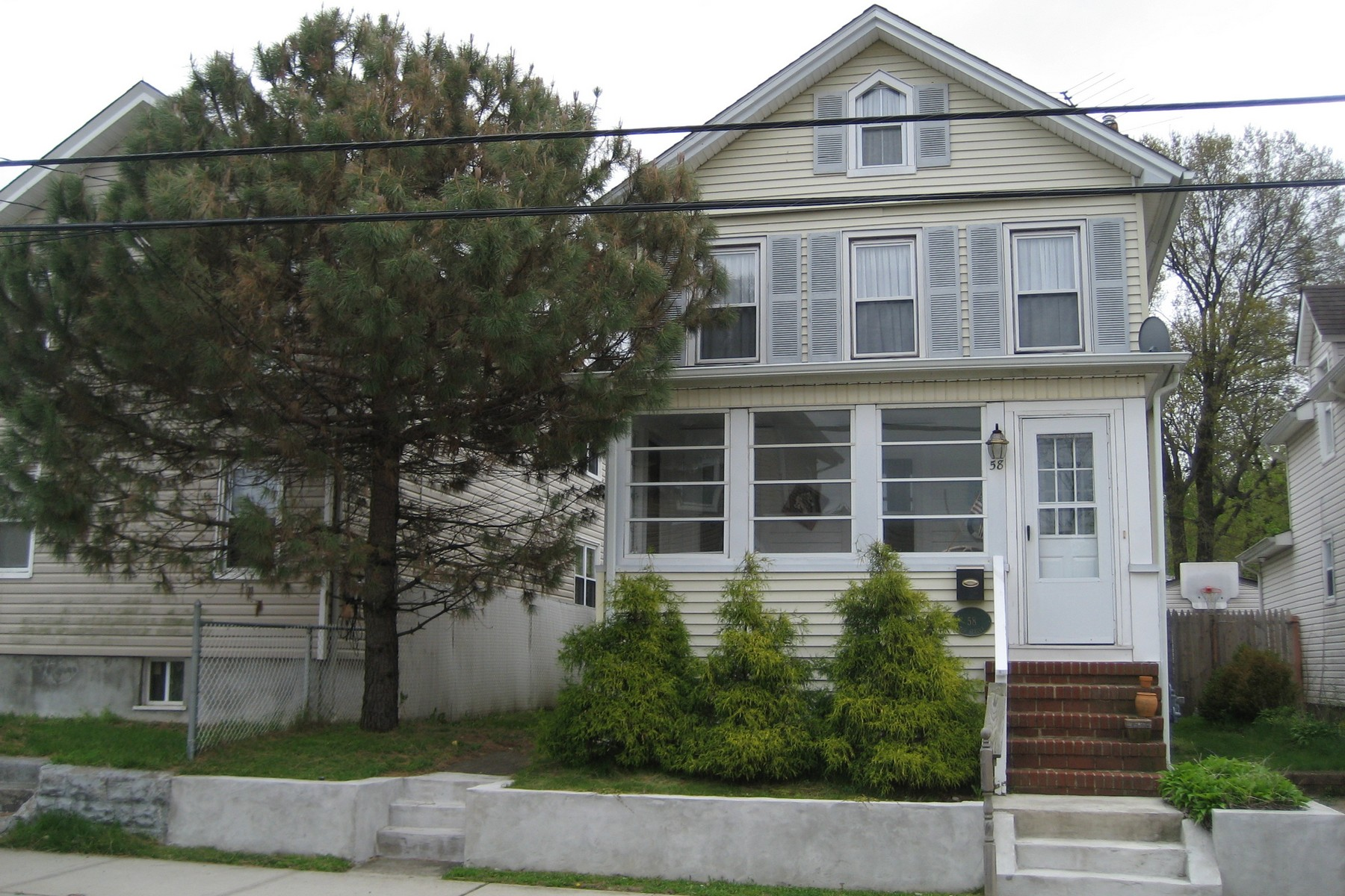 Single Family Home for Sale at Beautiful Restored Seashore Colonial 58 3rd St. Keyport, New Jersey 07735 United States