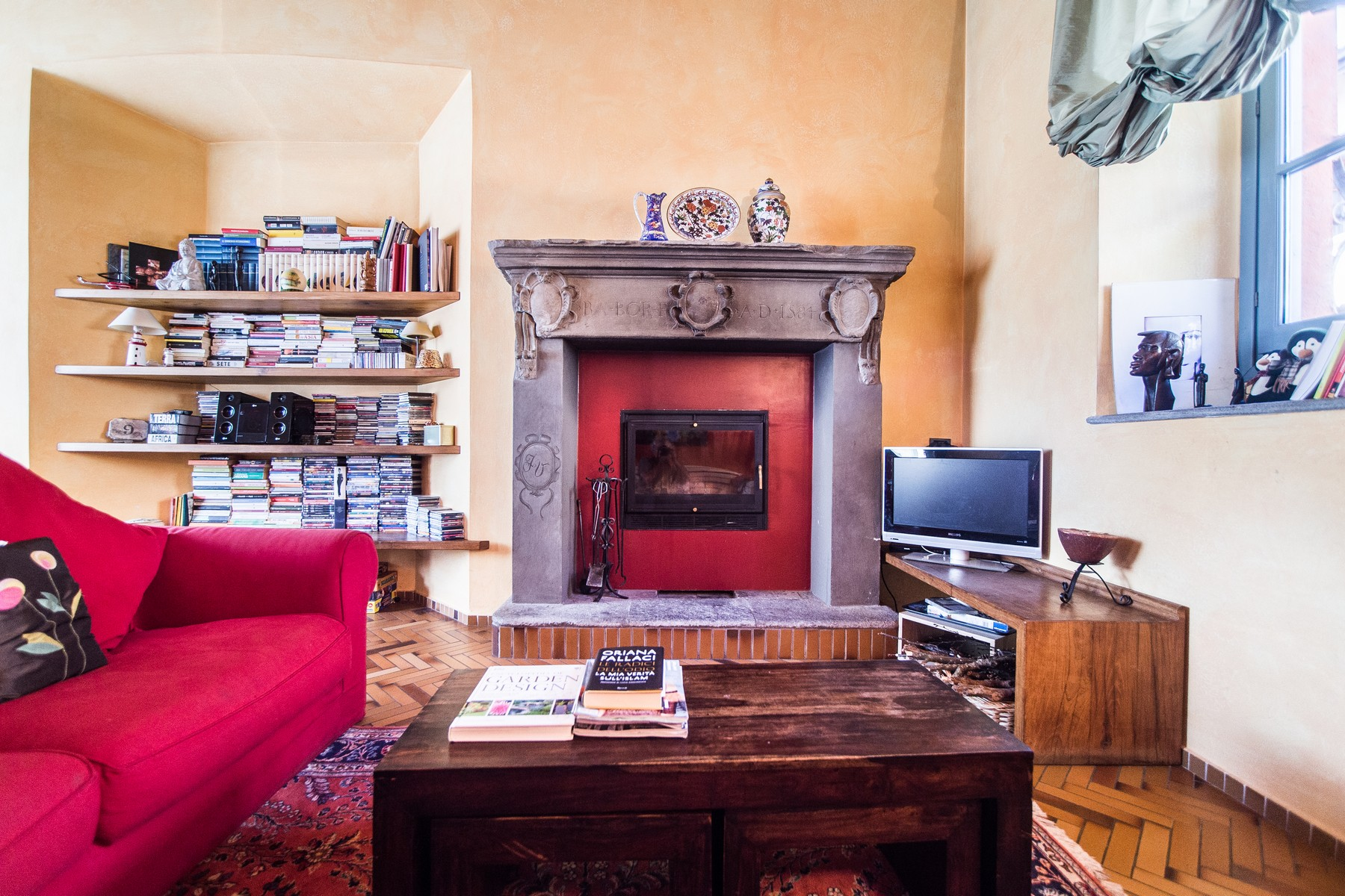 Additional photo for property listing at Magnificent semi-detached house on two levels Via Vittorio Veneto Fino Mornasco, Como 22073 Italien