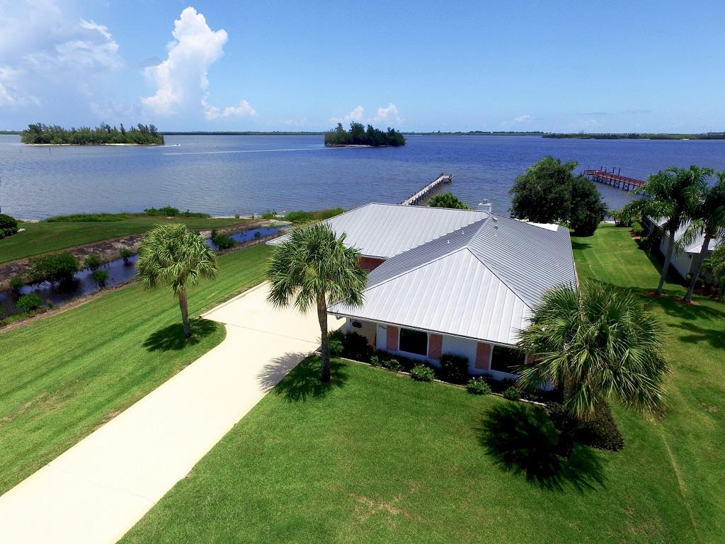 Vivienda unifamiliar por un Venta en Bring Your Boat! 6230 109TH Street Sebastian, Florida, 32958 Estados Unidos