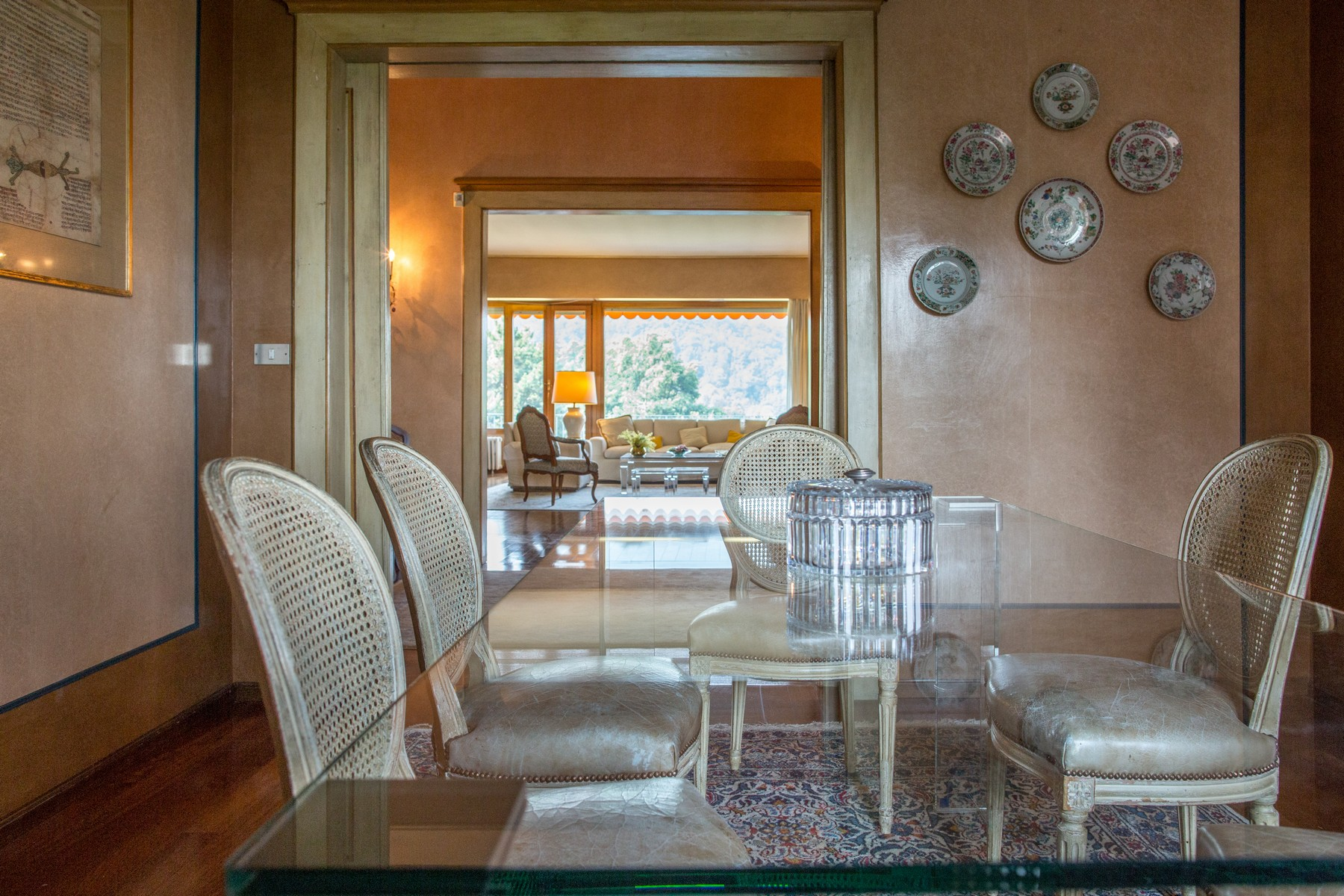 Additional photo for property listing at Elegant apartment on Turin hill Strada San Vincenzo Torino, Turin 10131 Italia